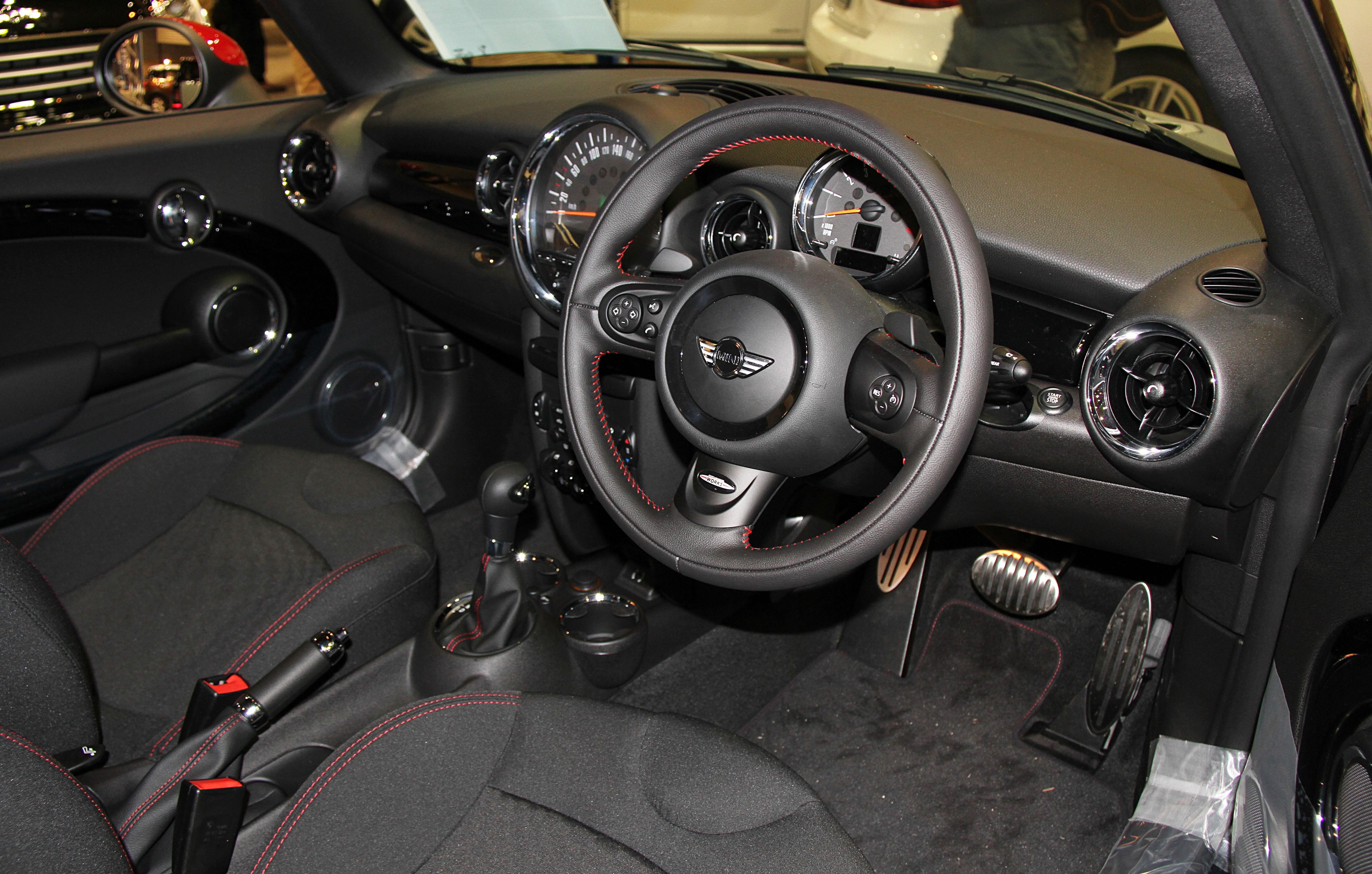 Mini Cooper R56 Interior идеи изображения автомобиля
