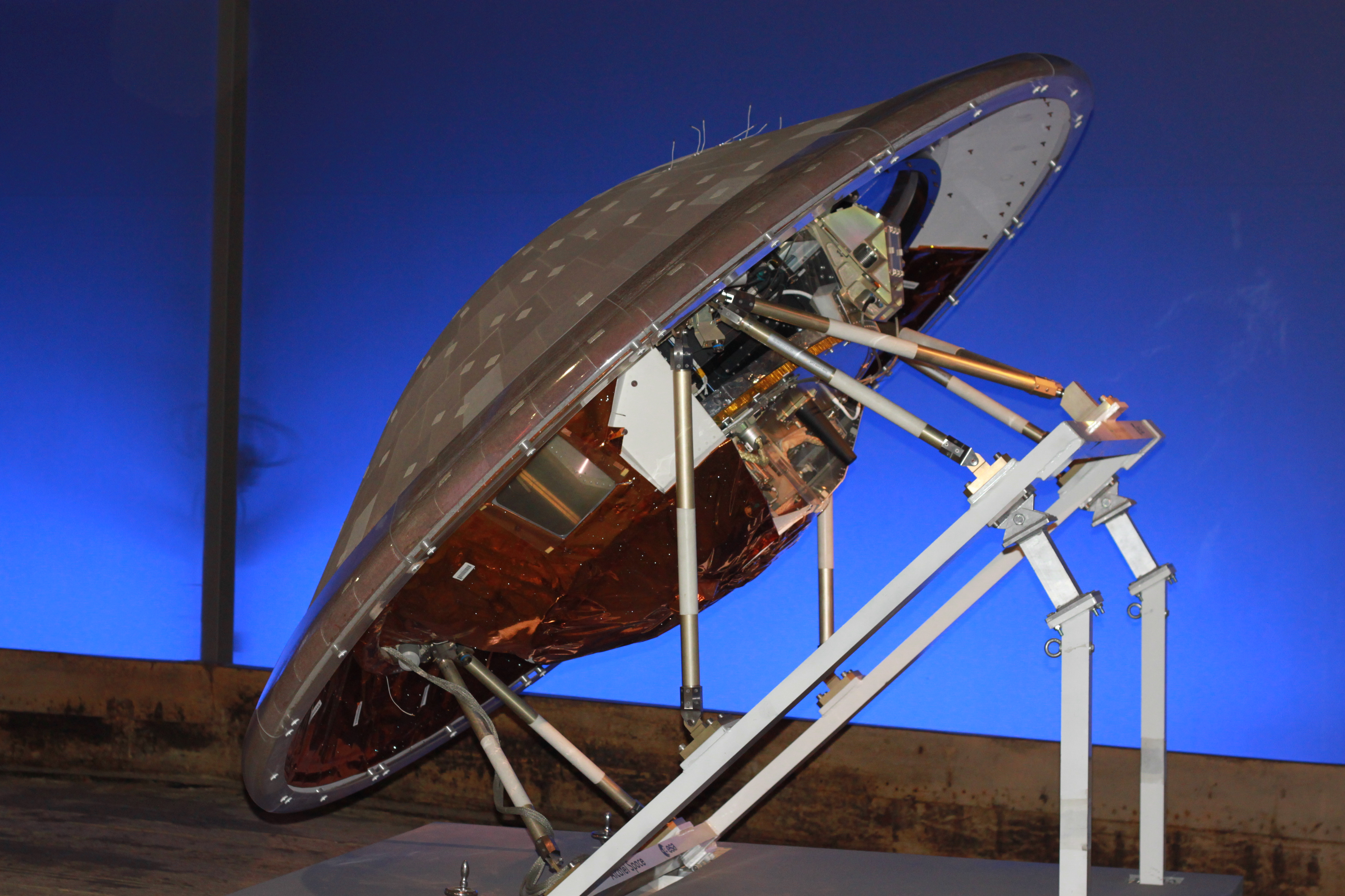 Model_of_Huygens_spaceprobe_with_heatshi