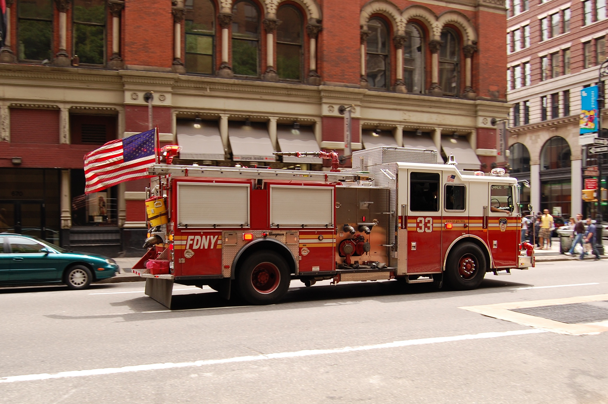 file new york city fire engine 33 jpg   wikipedia  the free