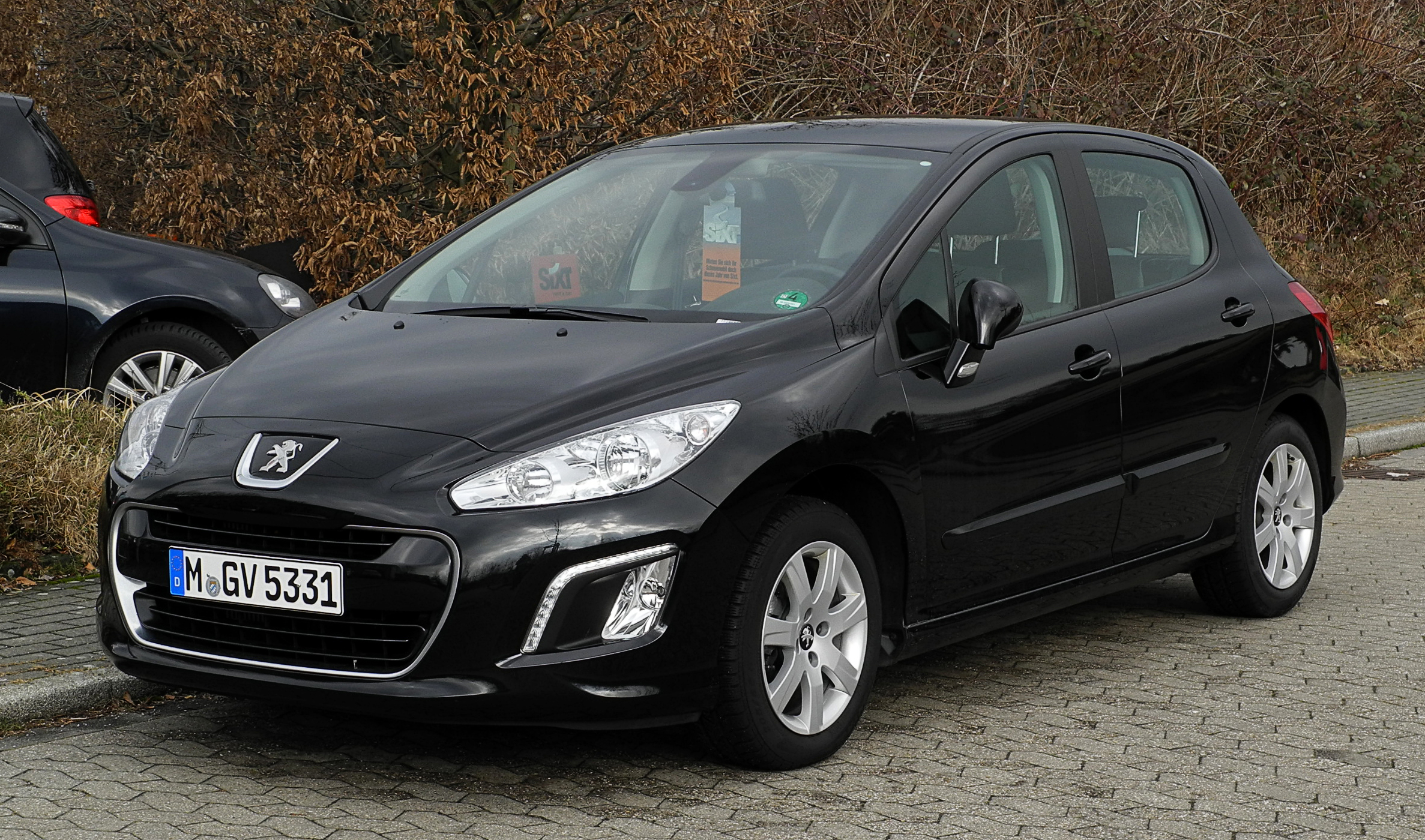 file peugeot 308 e hdi fap 110 stop start allure facelift frontansicht 25 februar 2012. Black Bedroom Furniture Sets. Home Design Ideas
