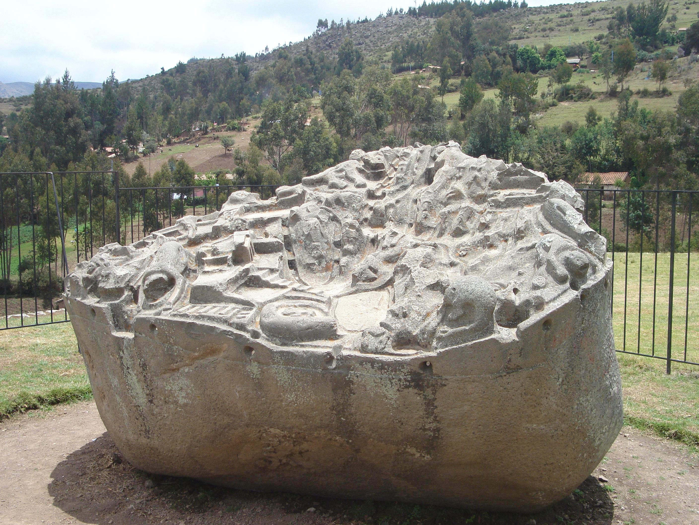 maqueta de la piedra de saywite en curawasi