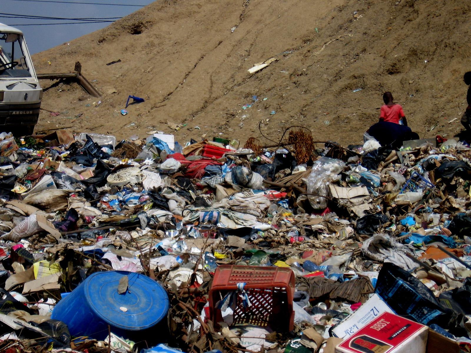Rubbish-Angola.jpg