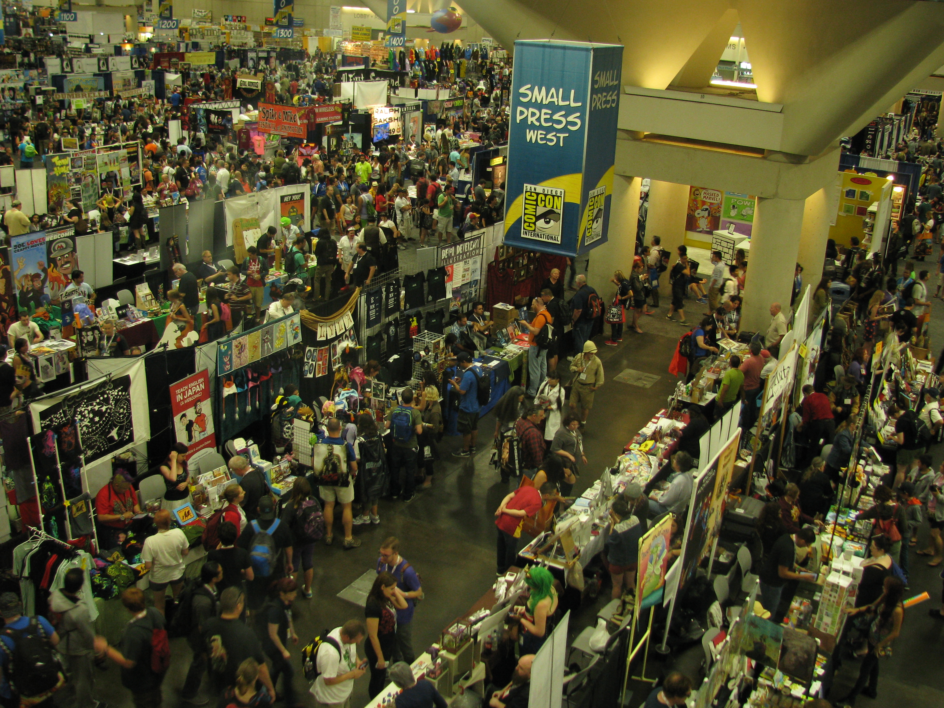 File:SDCC - Exhibit Hall B (9348034032).jpg - Wikimedia Commons
