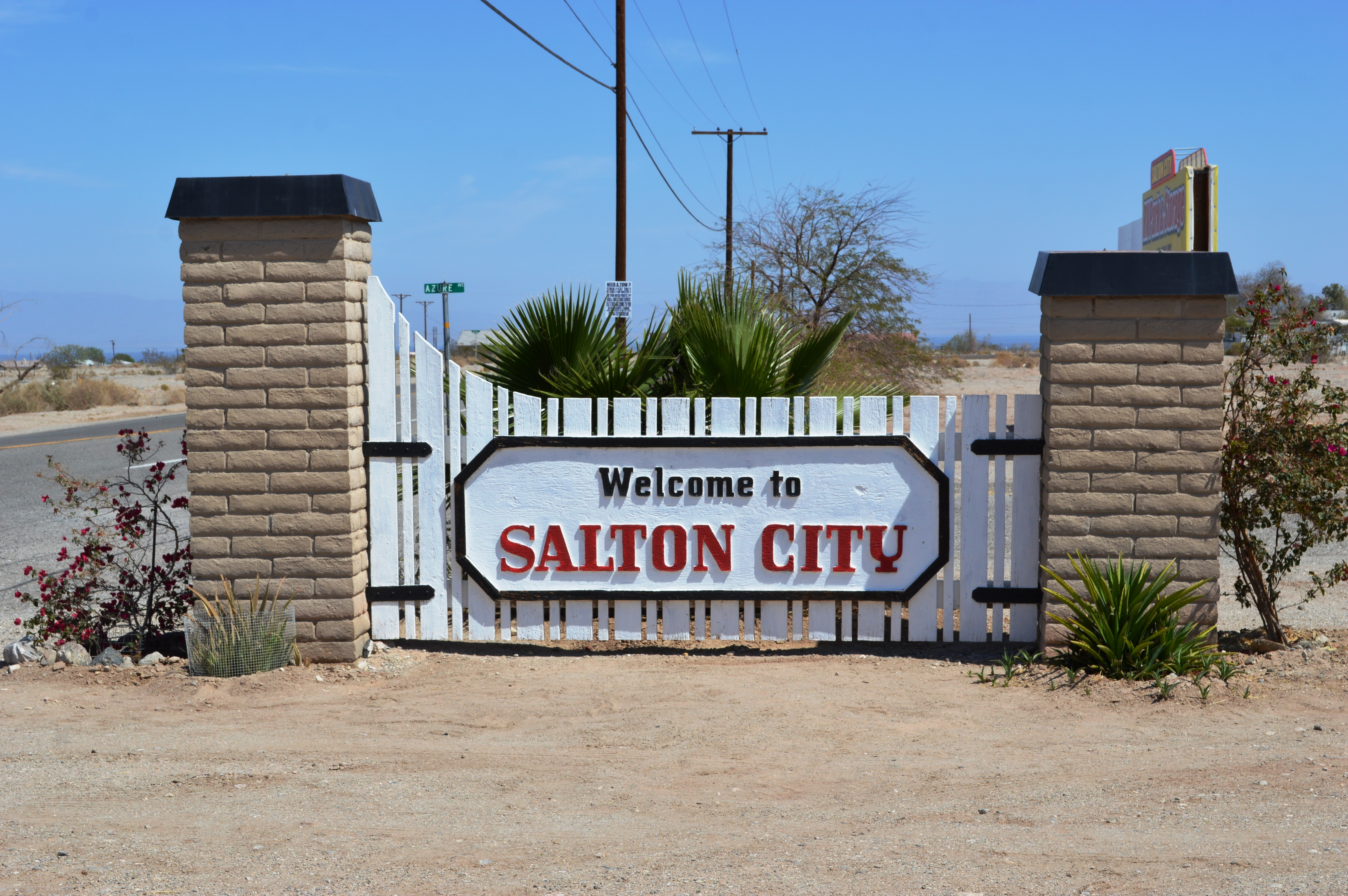 salton city chat West shores high school is a school located in salton city, california and is one of 23 schools in the coachella valley unified school district there are 380 students from 7th grade to 12th grade and a student/teacher ratio of 15:1.