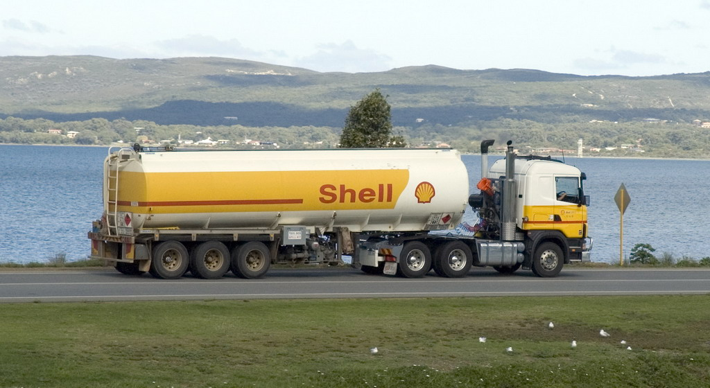 File:Shell tanker truck jpg - Wikimedia Commons