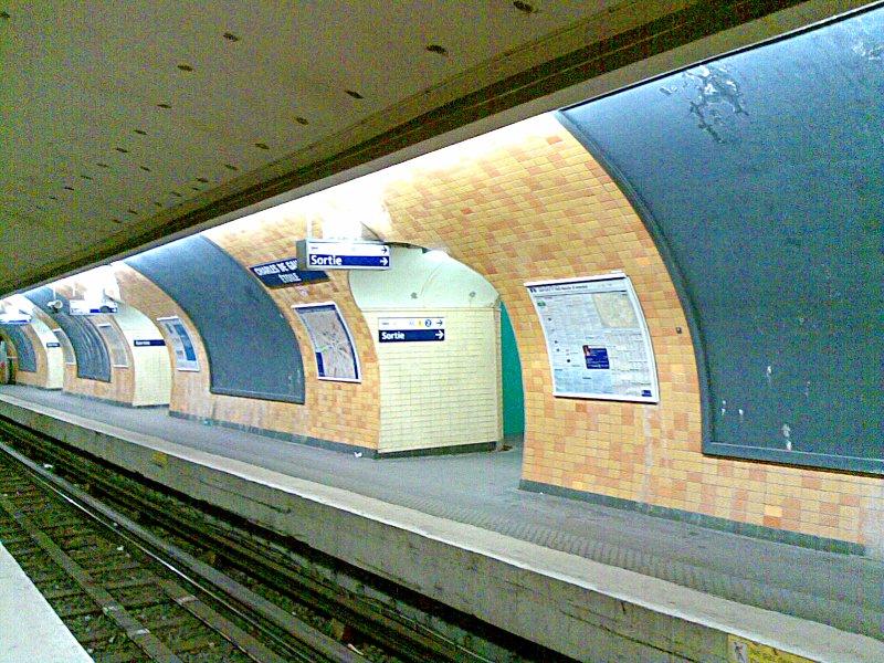Station-metro-paris-moutonduvernet