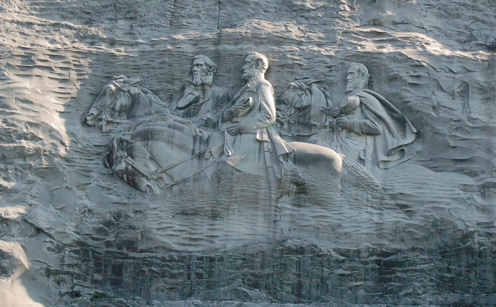how tall is stone mountain