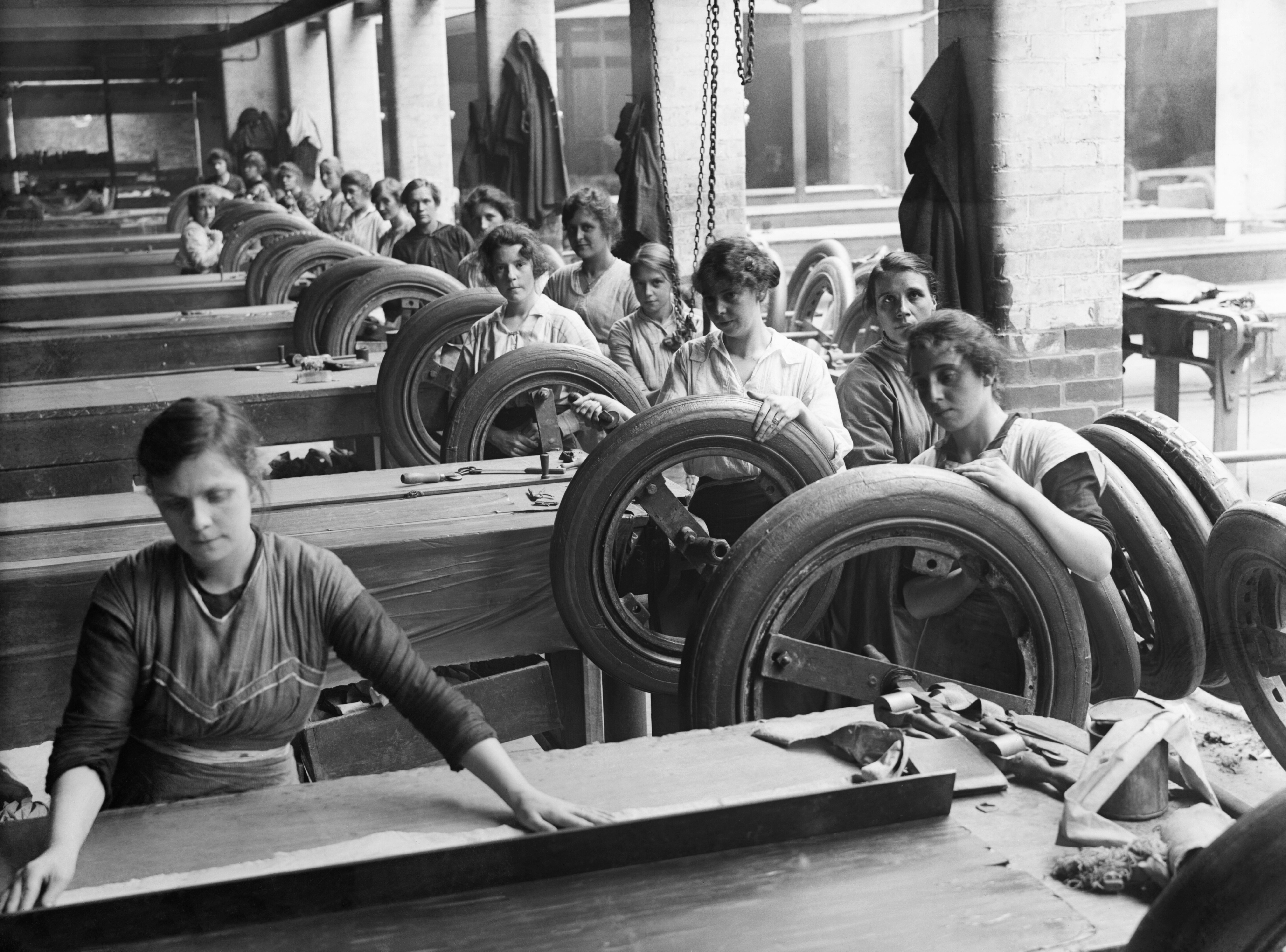 the employment opportunities of women in britain A group of female workers at the flour mills of rank & sons, birkenhead, lancashire.