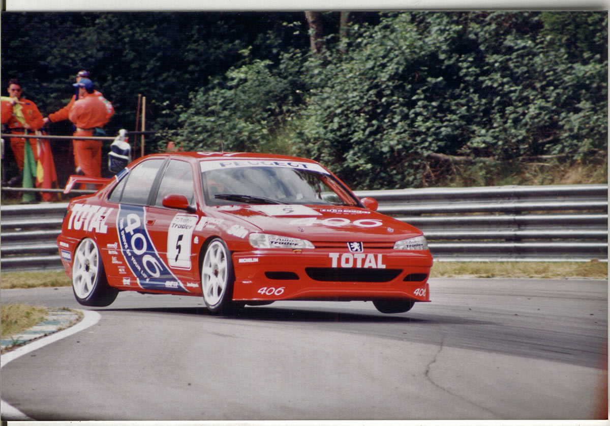 Tim Harvey in a 406 during the 1996 BTCC season