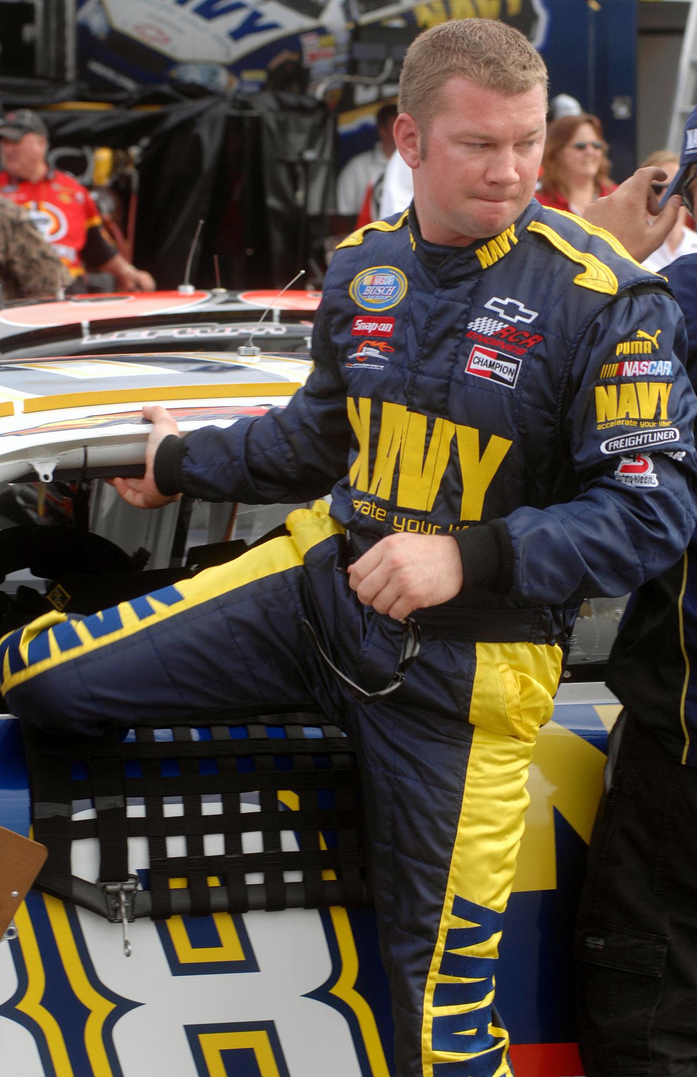 FileUS Navy 070504 N 5345W 052 NASCAR Busch Series Driver Shane