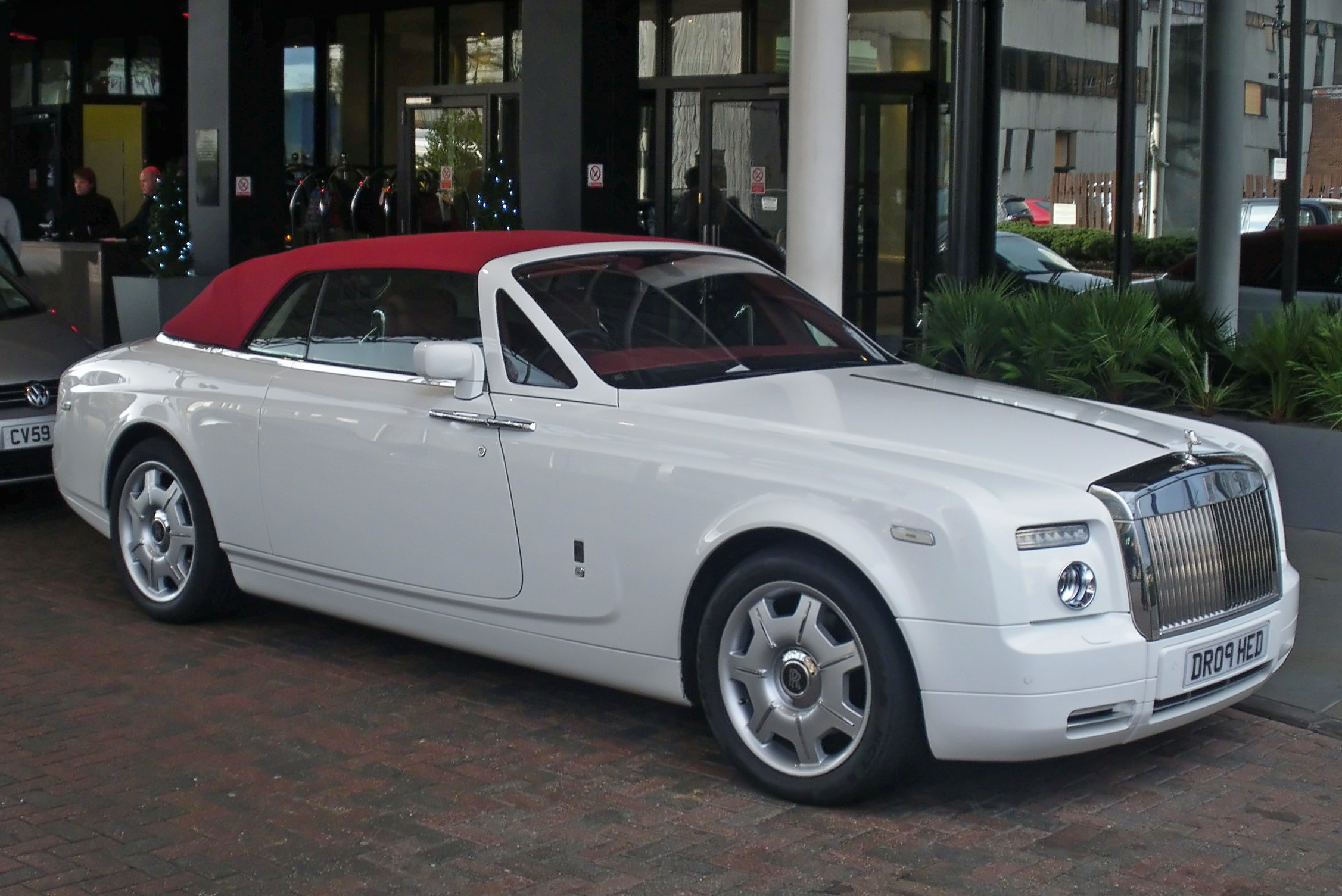 rolls royce phantom 2015 white. filewhite and red rr phantom drophead frjpg rolls royce 2015 white