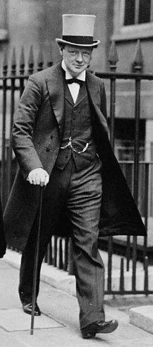 Winston Churchill verl sst das Geb ude der Admiralt t (1912)