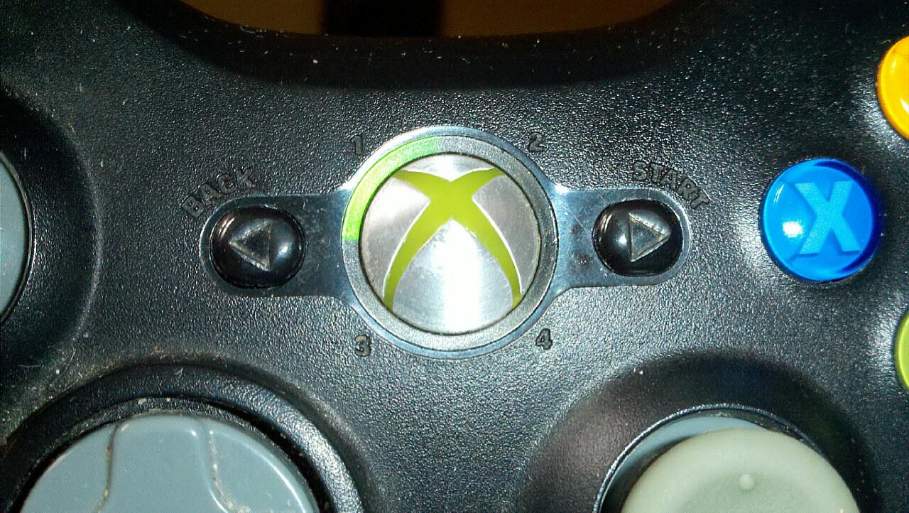 file xbox 360 controller ii jpg wikipedia rh en m wikipedia org xbox 360 controller guide button windows 10 xbox 360 controller guide button lights flashing