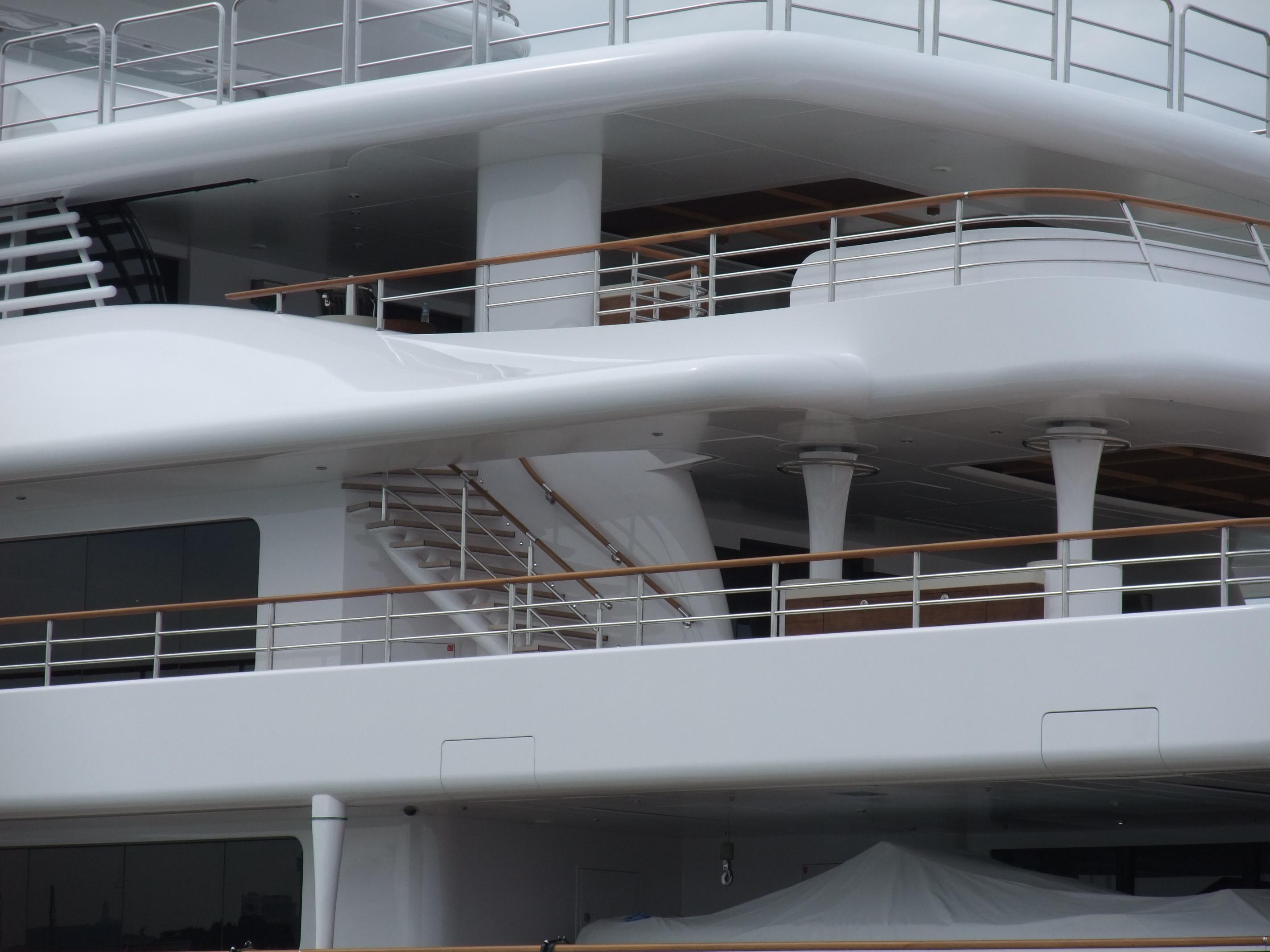 Yacht Kogo 05.jpg
