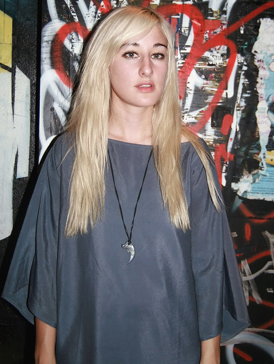The 28-year old daughter of father (?) and mother(?), 175 cm tall Zola Jesus in 2017 photo