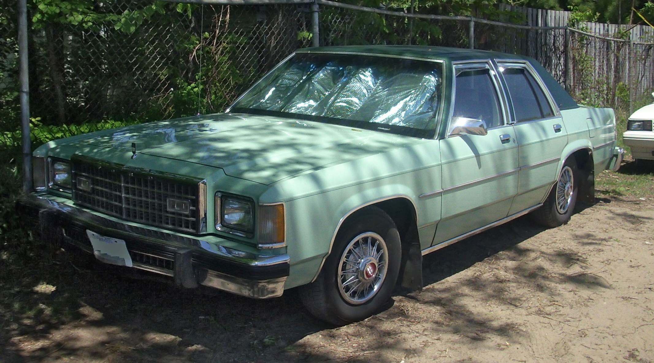 File79 80 Ford LTD Sedan Hudson