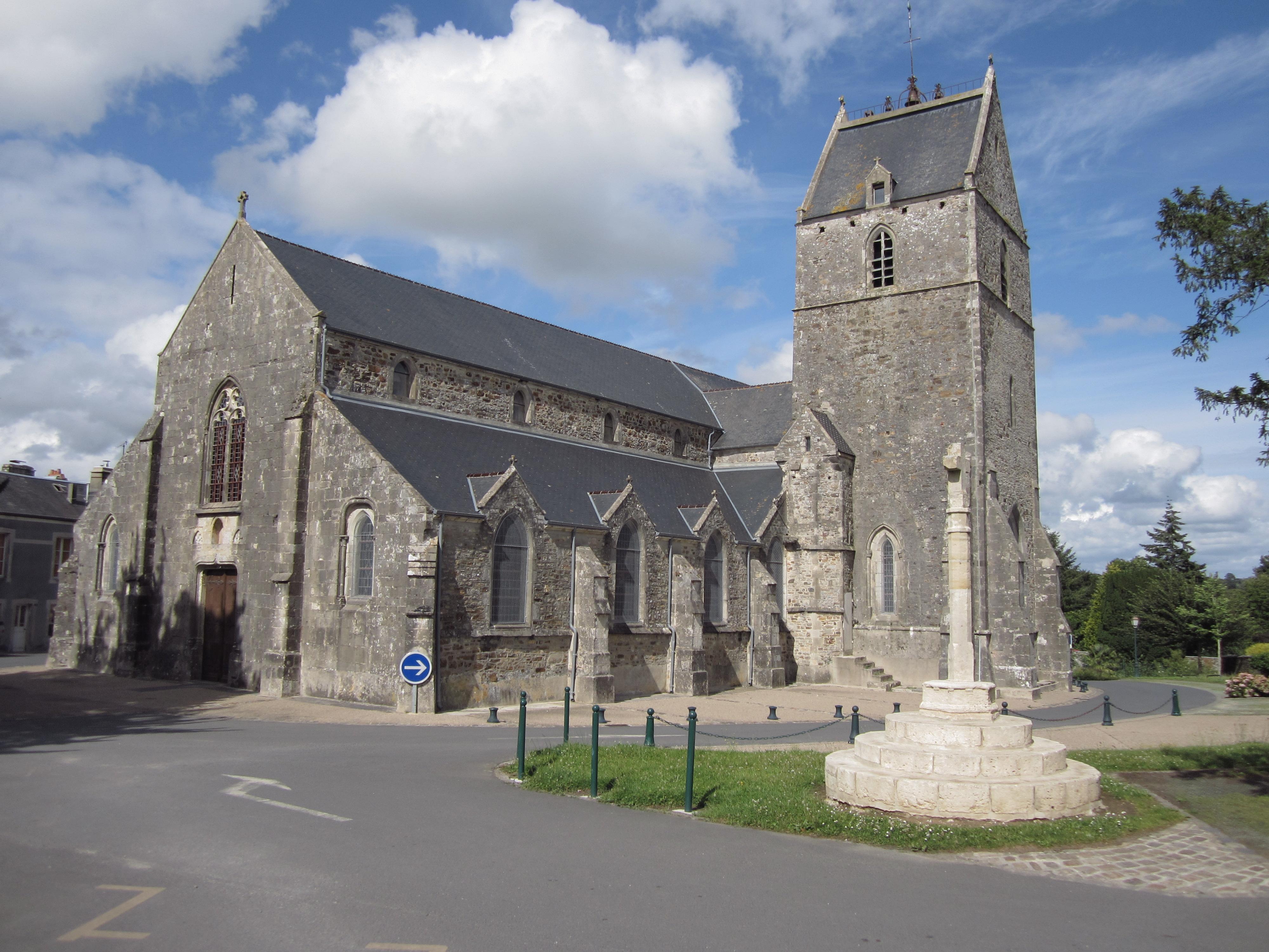 File glise saint jean baptiste de saint sauveur le vicomte jpg wikimedia commons - Piscine saint sauveur le vicomte ...