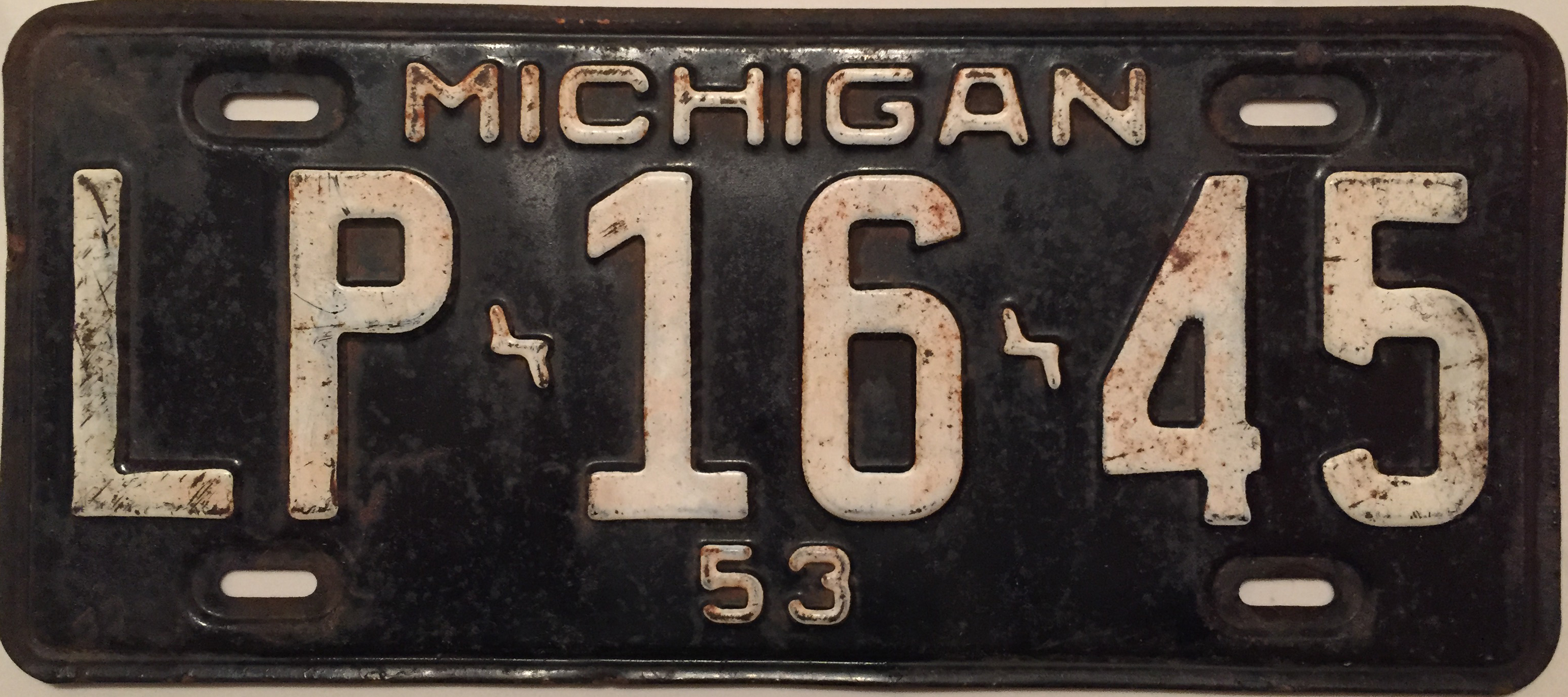 File:1953 Michigan License Plate.JPG - Wikimedia Commons