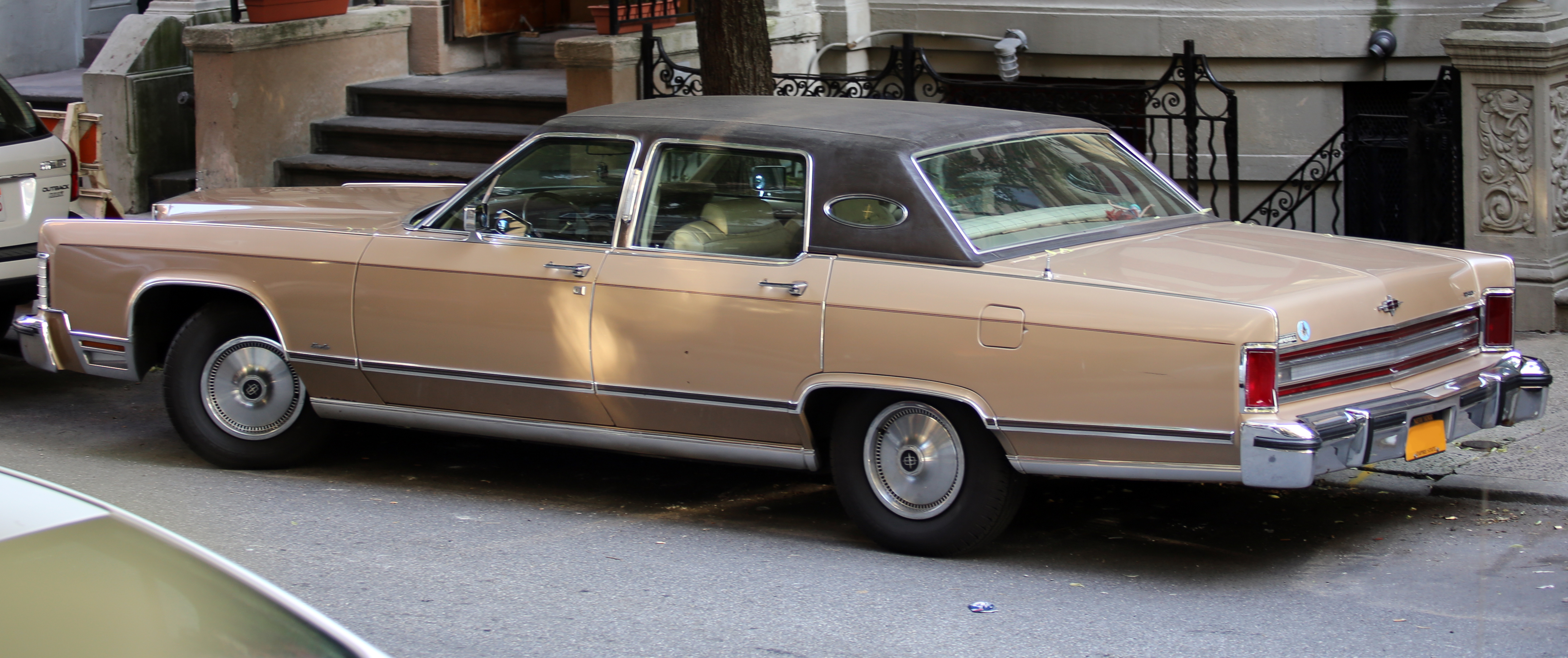 File 1978 Lincoln Continental Town Car Rear Left Jpg