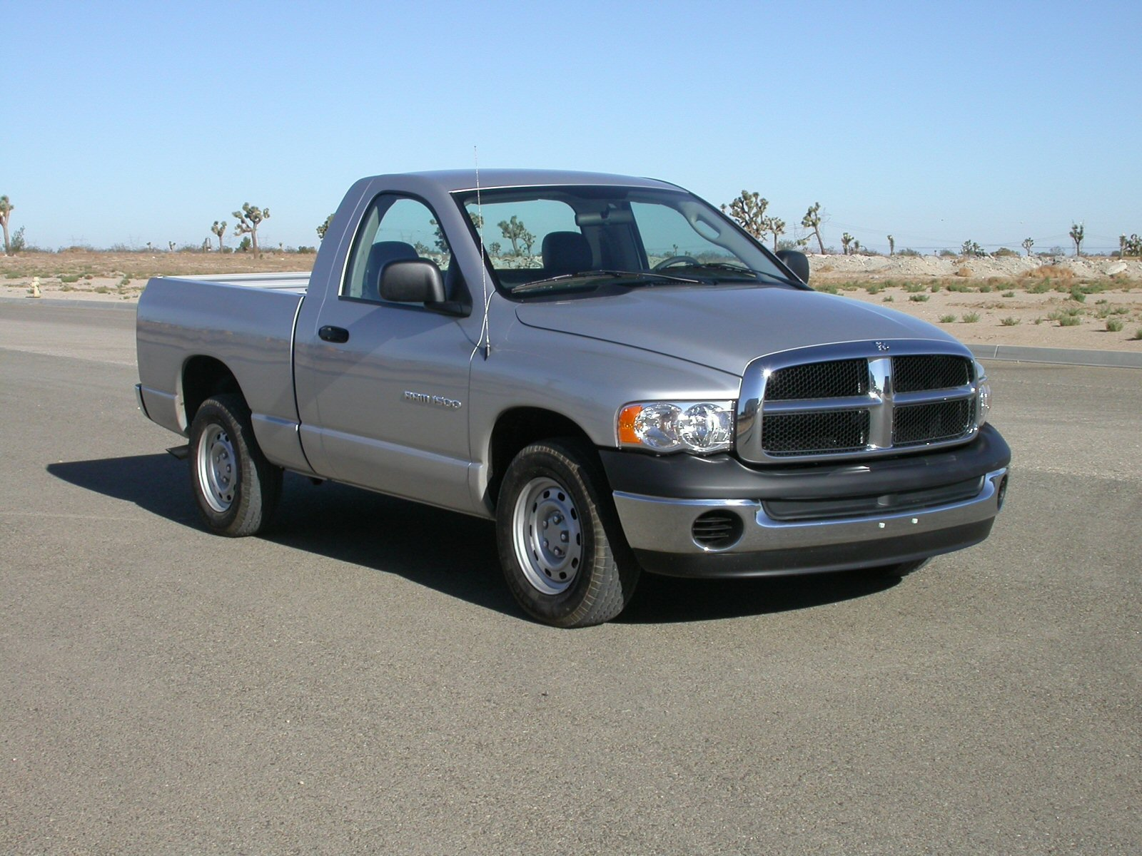 File 2005 Dodge RAM 1500 2 door pickup NHTSA 01 Wikimedia
