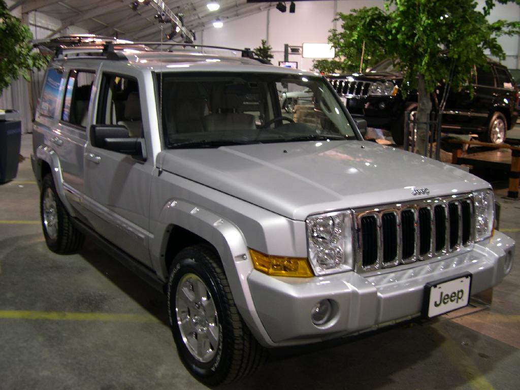 file:2006 jeep commander - wikimedia commons