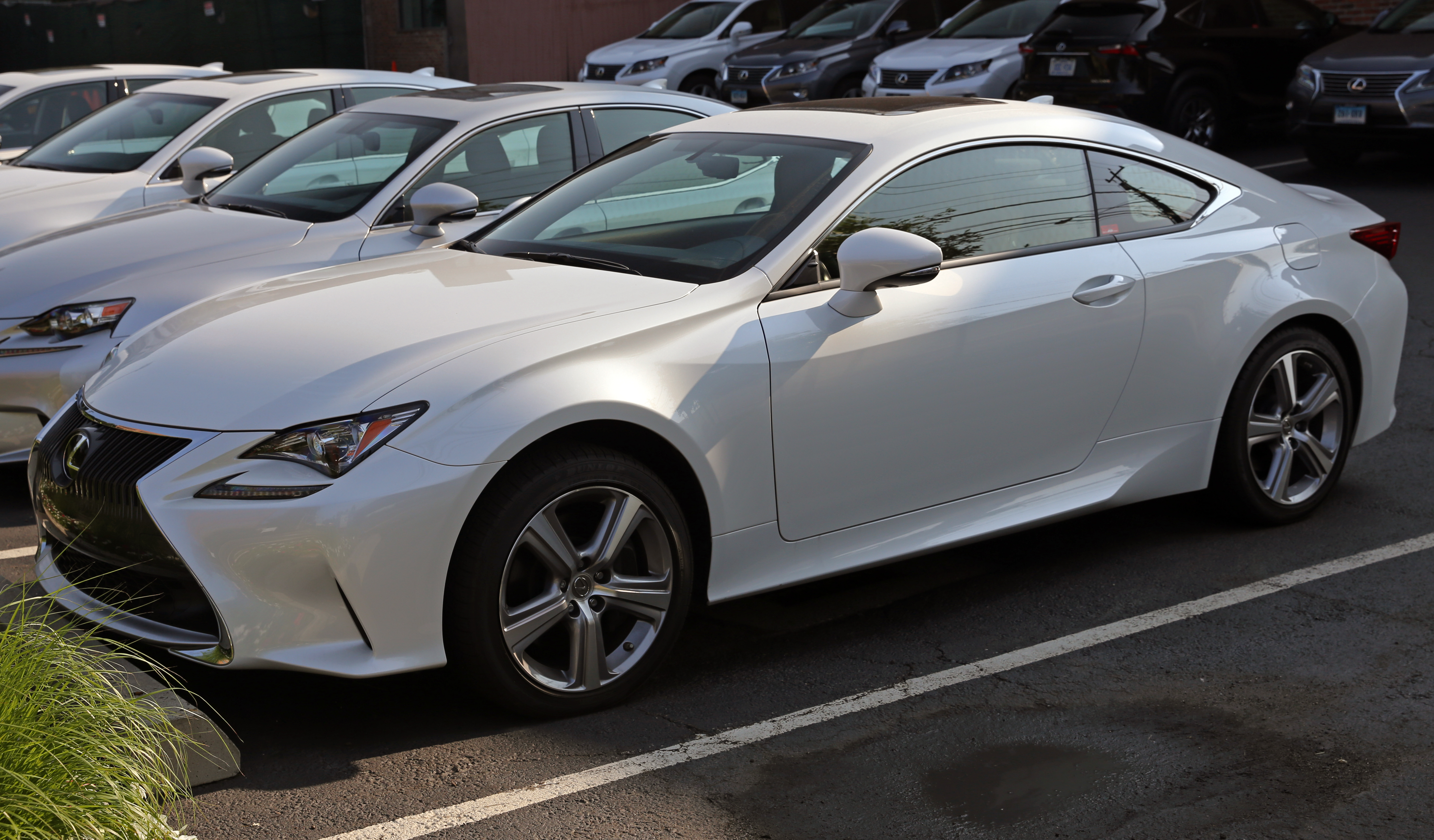file 2015 lexus rc350 awd front wikipedia. Black Bedroom Furniture Sets. Home Design Ideas