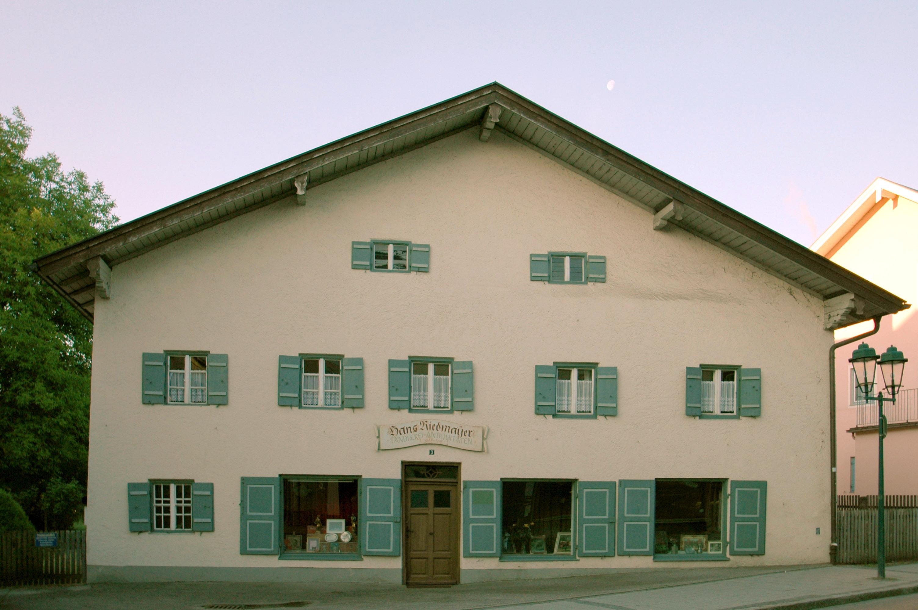 bahnhofstr 3