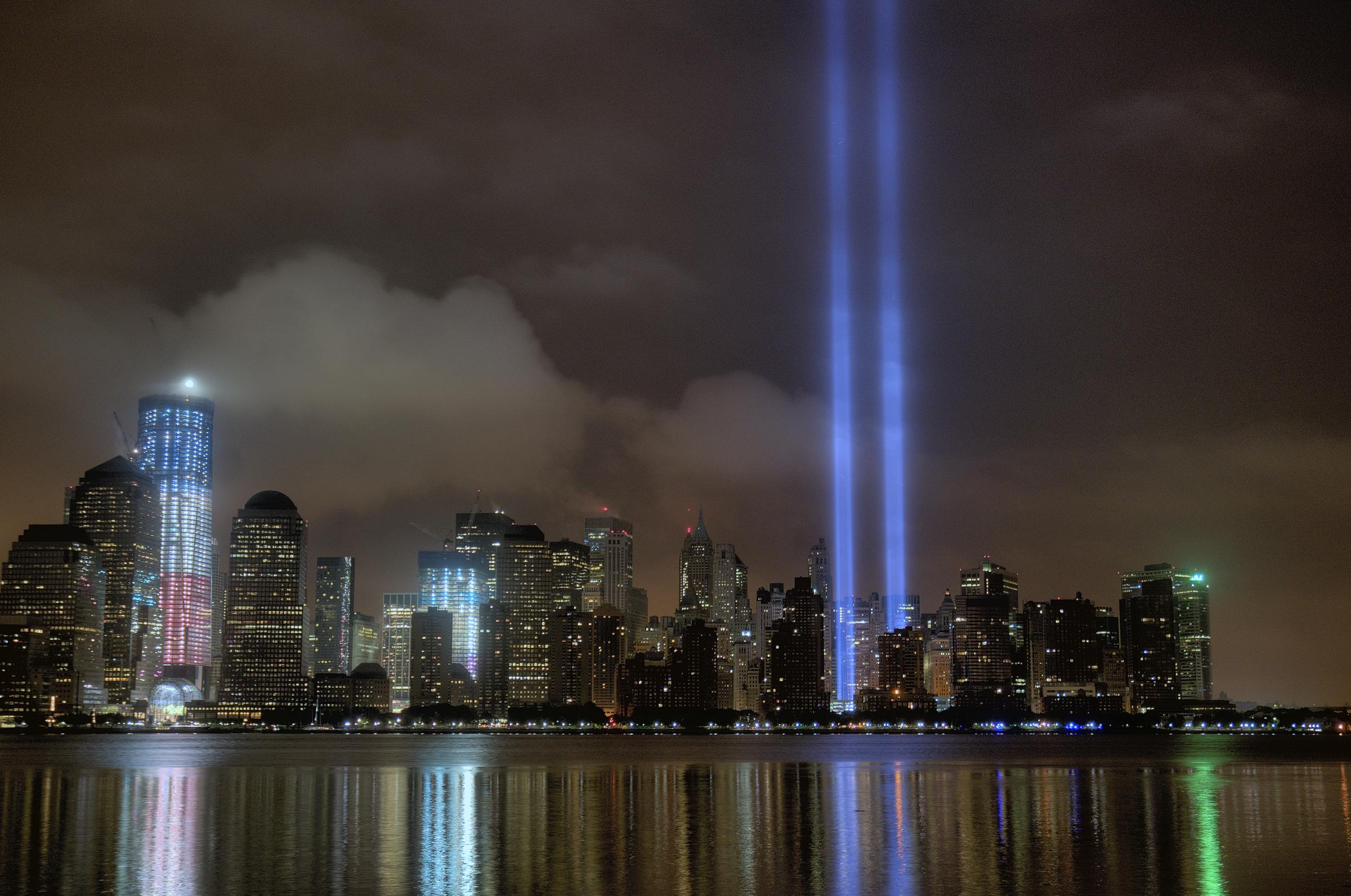 Description 9 11 11 wtc tribute in light from jersey city nj jpg
