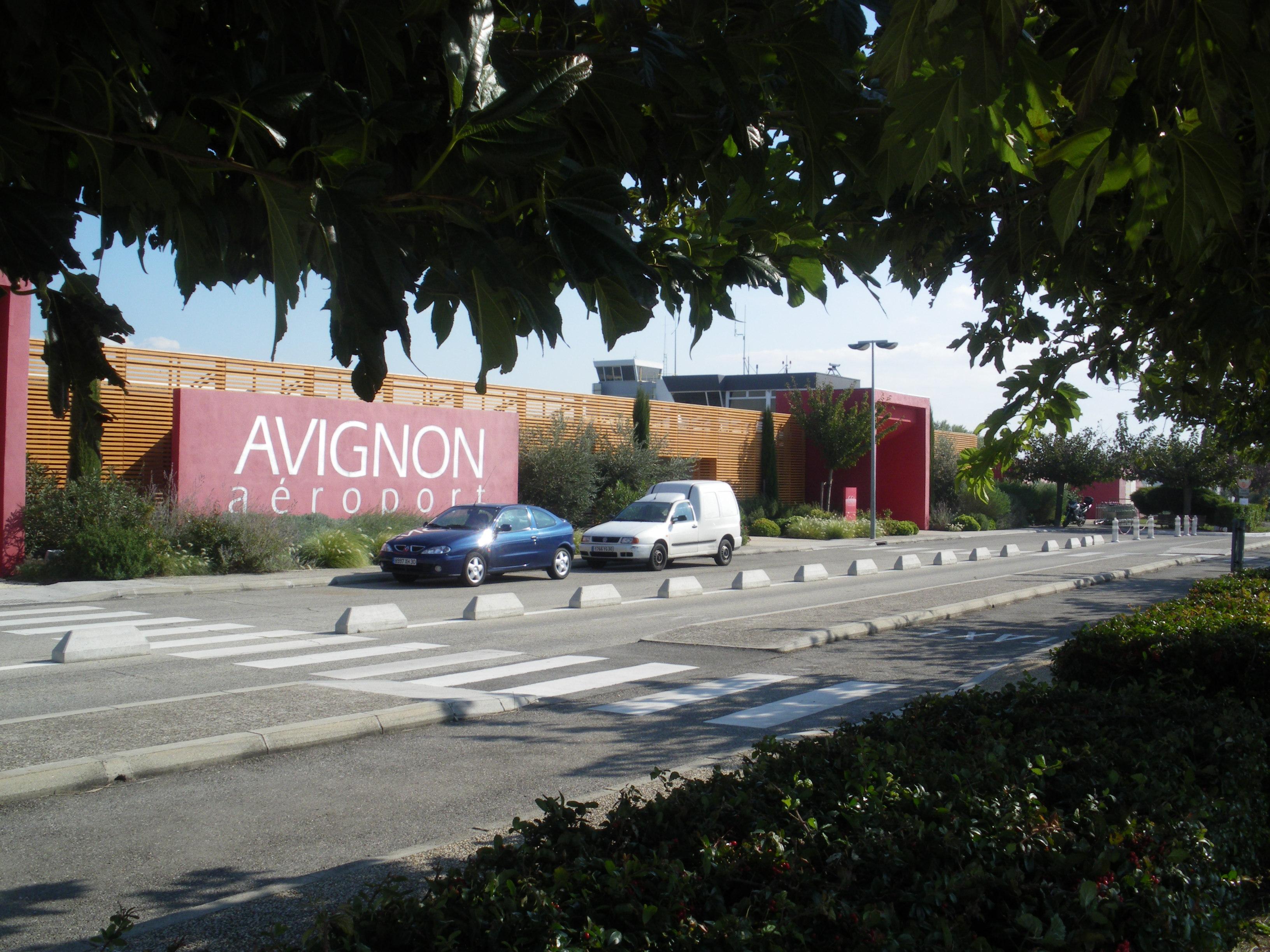 Aeropuerto de Aviñón-Provenza - Wikipedia, la enciclopedia libre