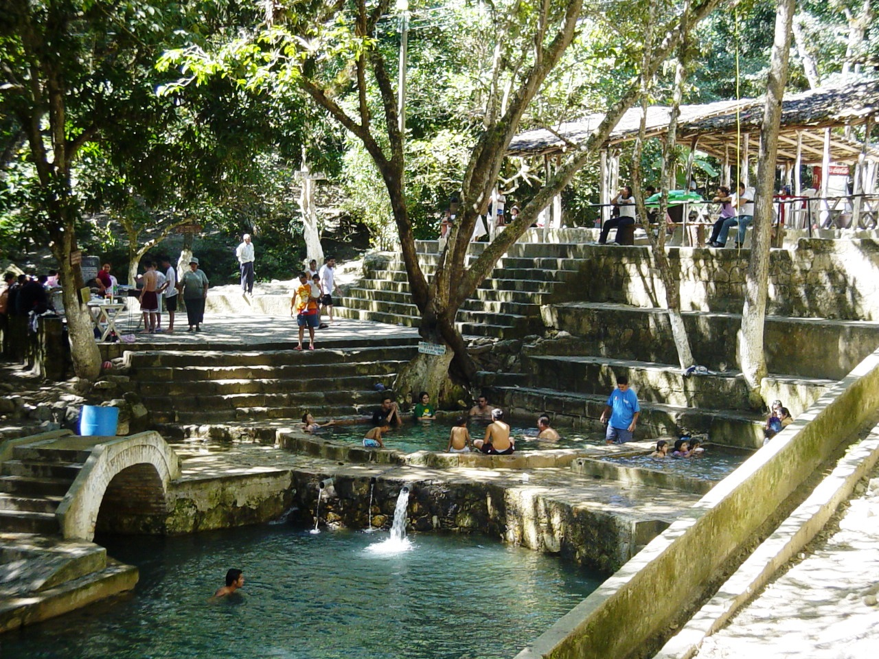 Baños Turcos Naturales En Aguas Termales:File:Aguas Termales, Gracias, Lempirajpg – Wikimedia Commons
