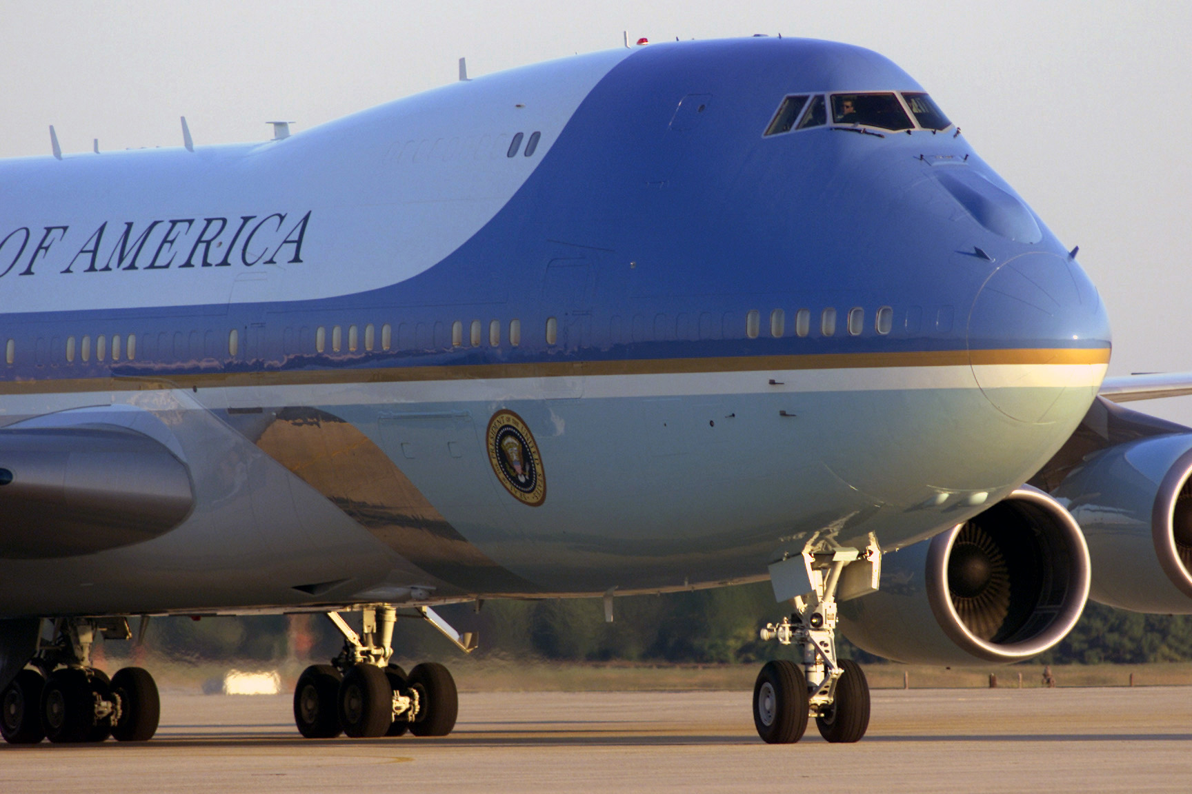 Betty ong s 9 11 call from flight 11 youtube - Air Force One After Landing At Andrews Air Force Base In Maryland