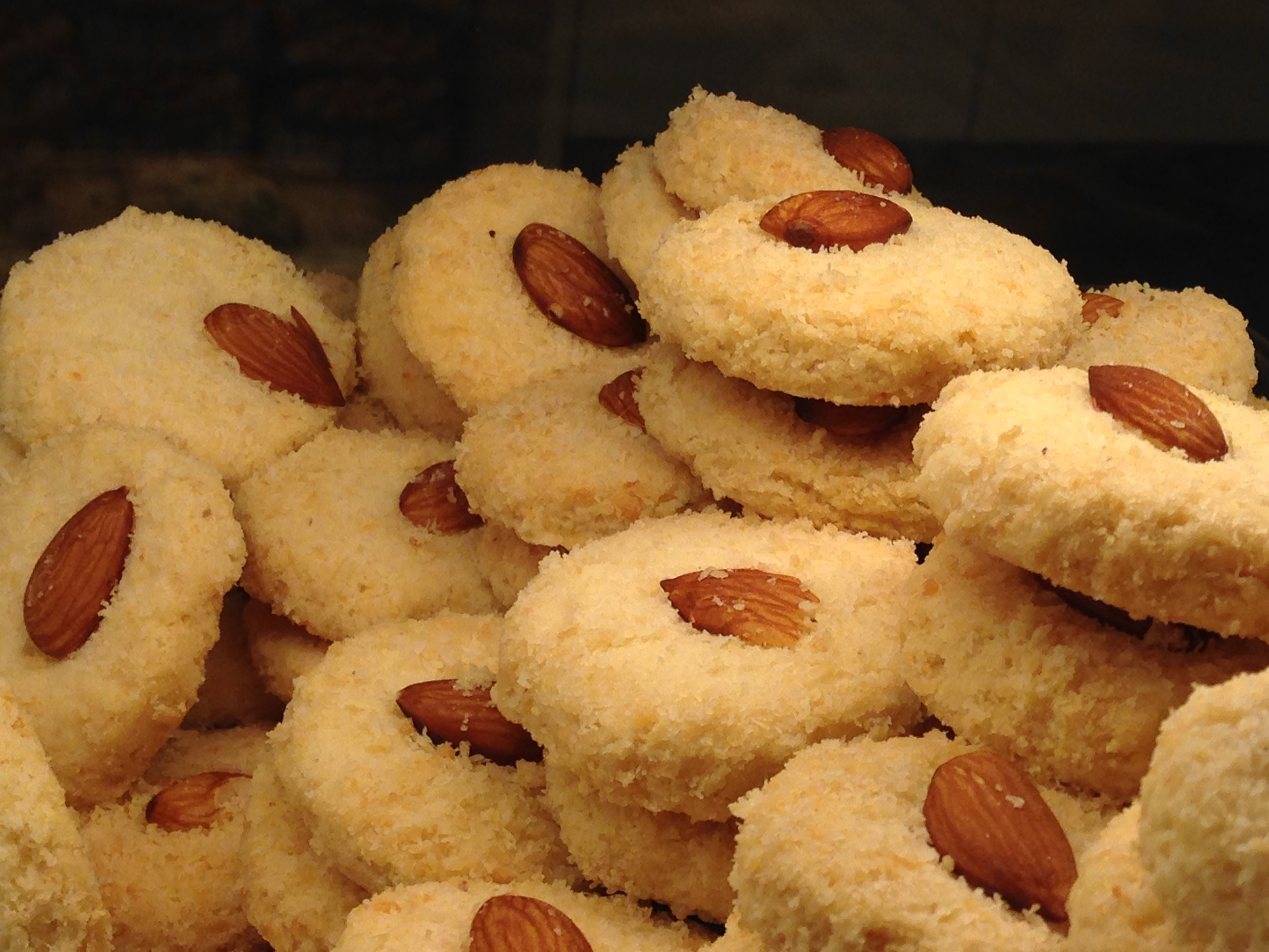 File:almond biscuit bakery.jpg wikimedia commons