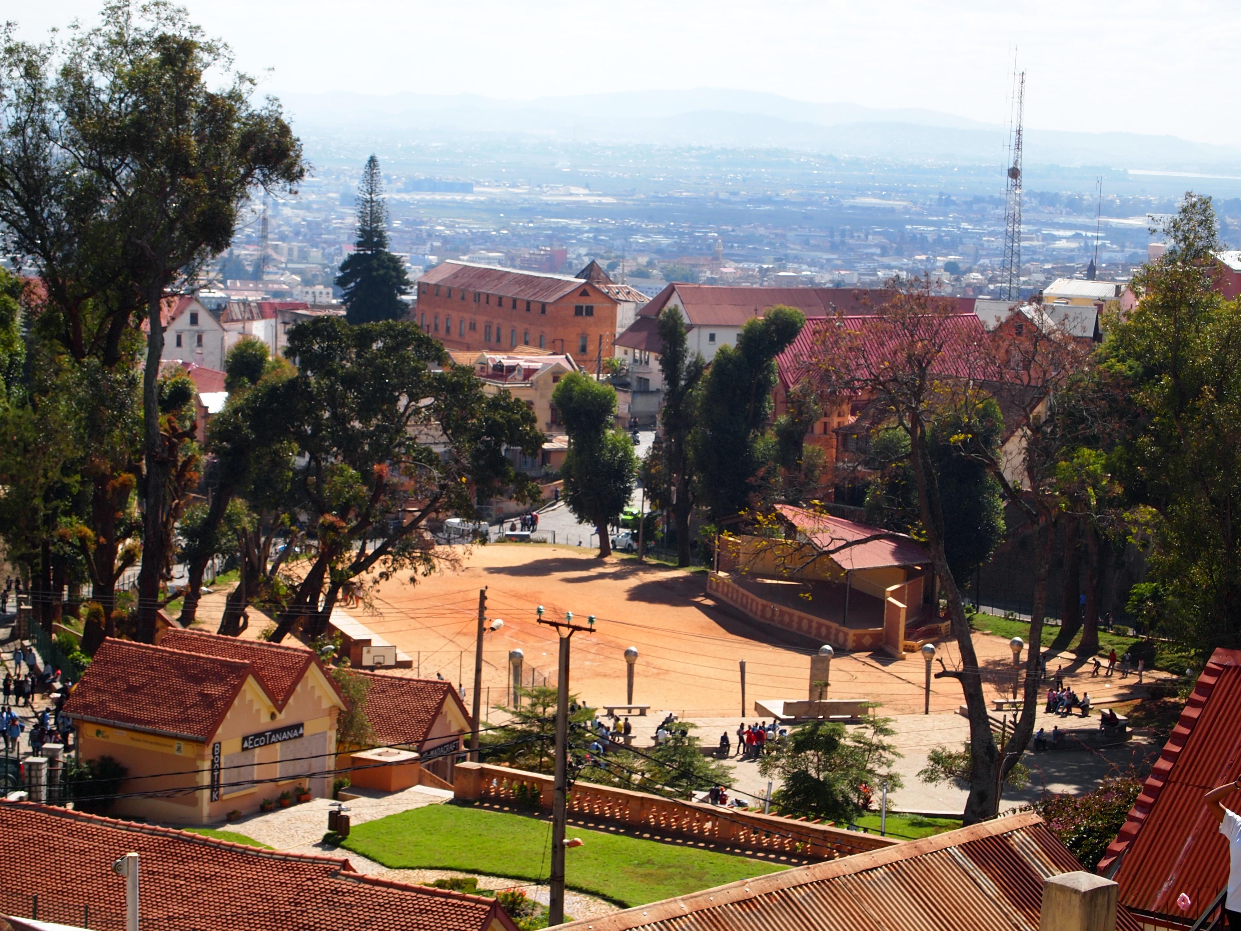 File:Antananarivo Madagascar andohalo plaza.JPG ... - photo#20