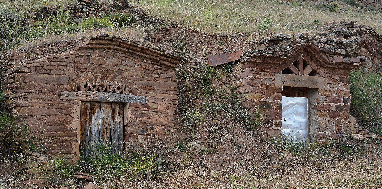 archivo antiguas bodegas bajo tierra de pomer zaragoza