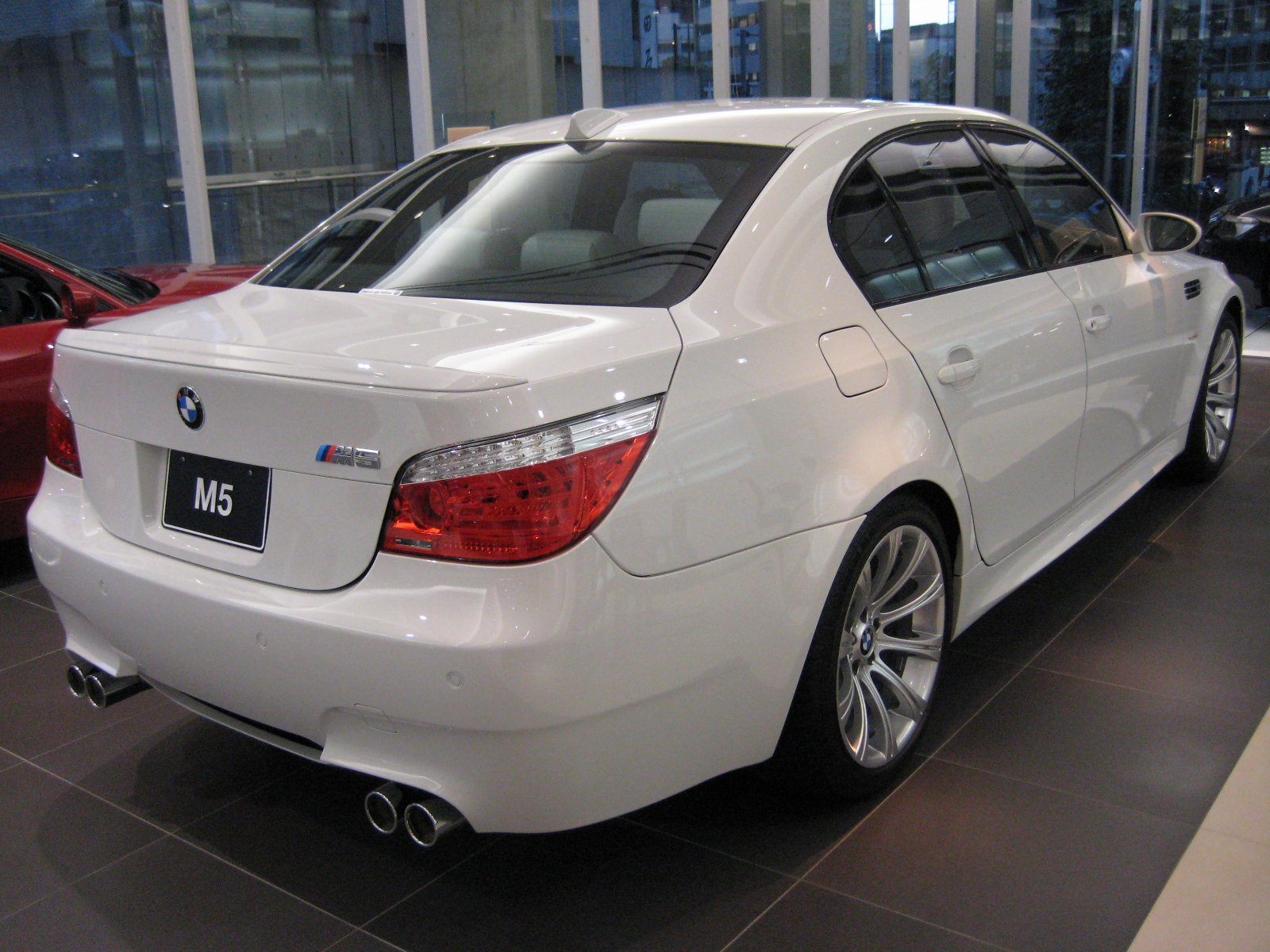 File Bmw E60 M5 2 Jpg Wikimedia Commons