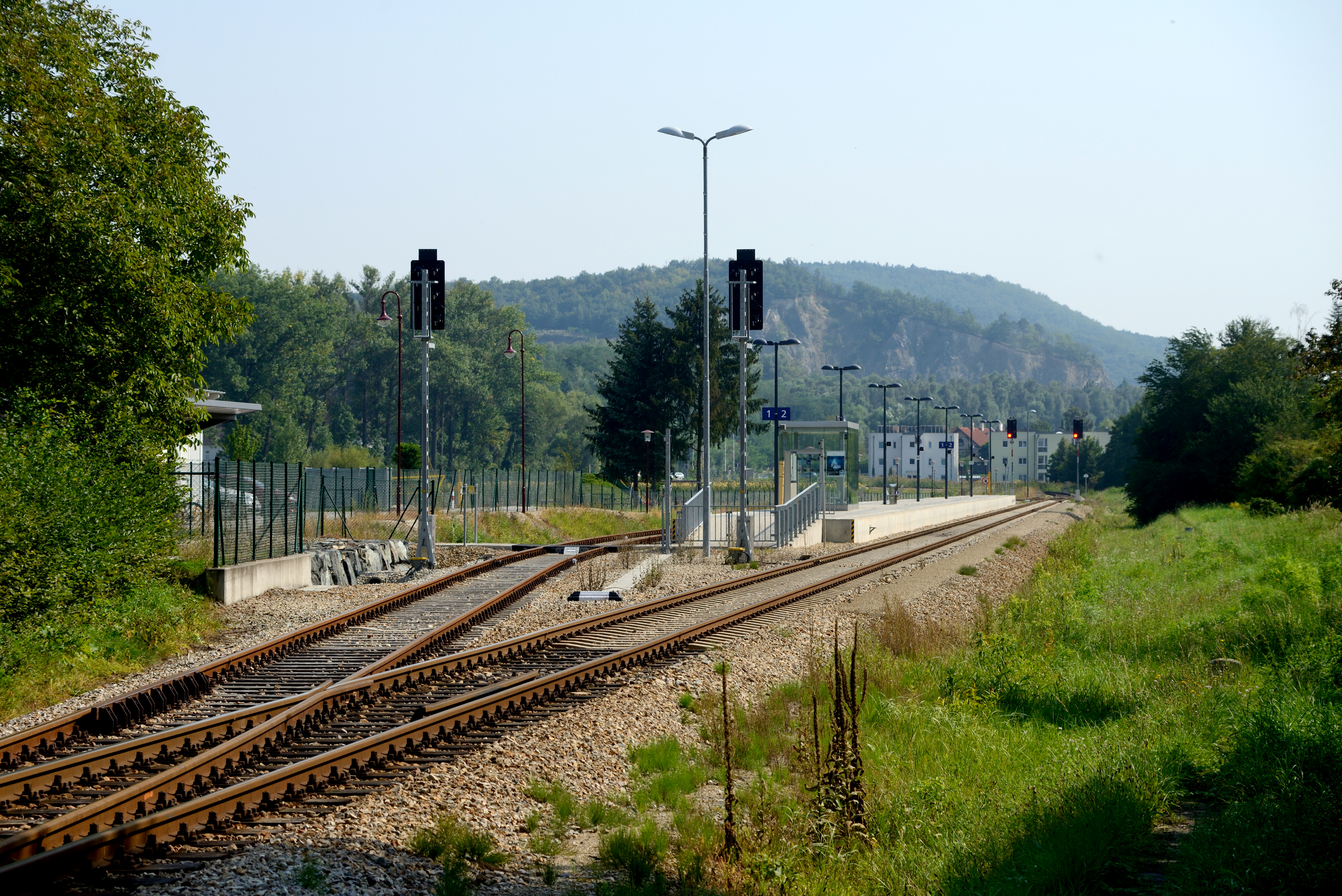 File Bahnhof Paudorf Bahnsteig Jpg Wikimedia Commons