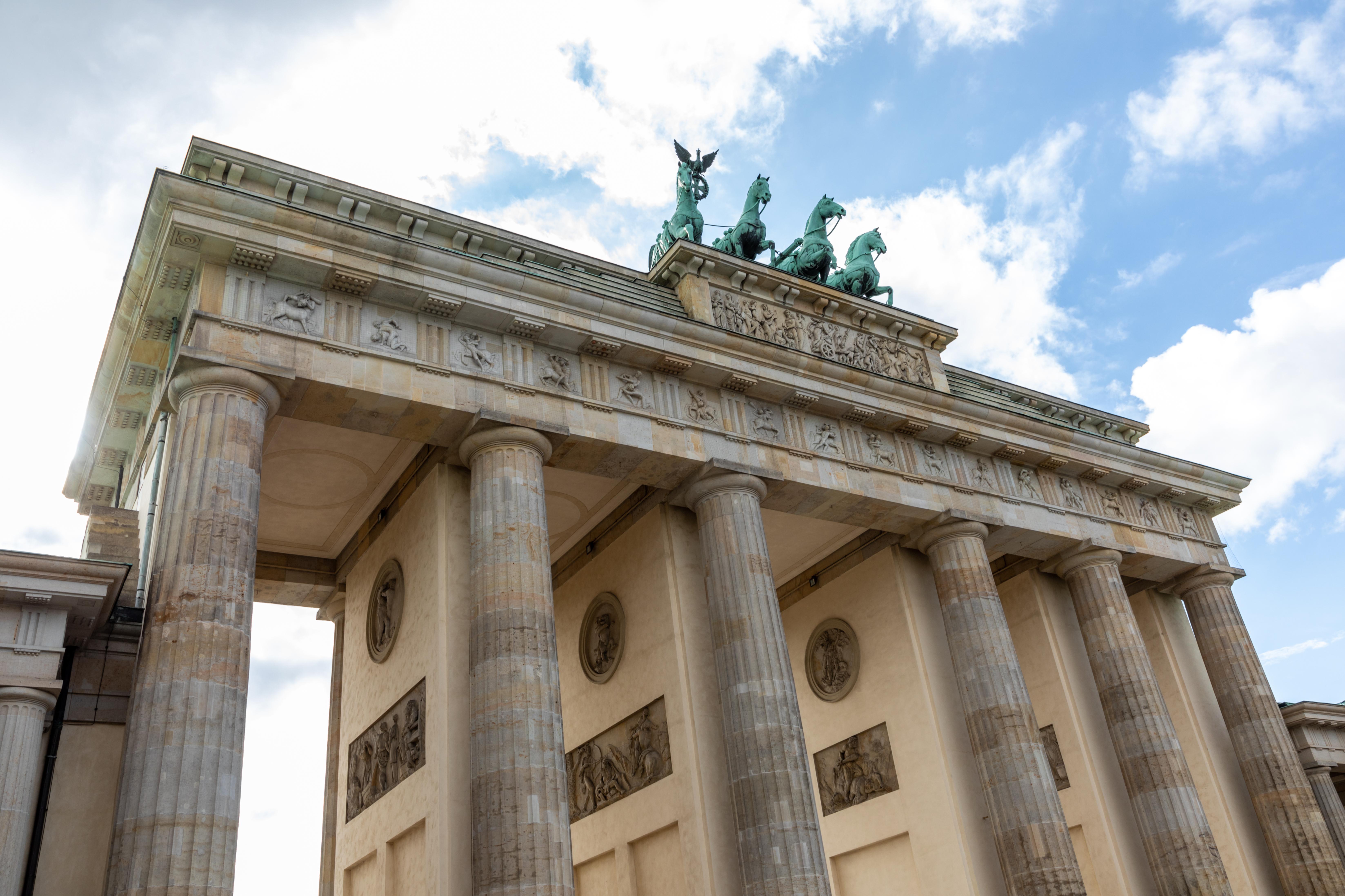 File Berlin Brandenburger Tor 2019 6338 Jpg Wikimedia Commons