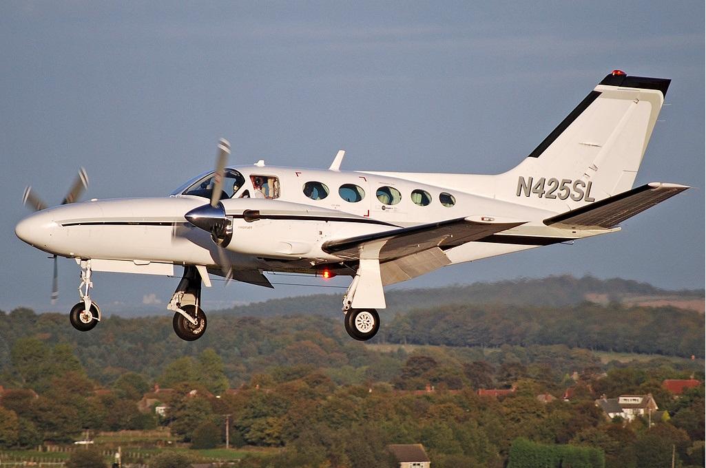 Cessna 425 - Wikipedia