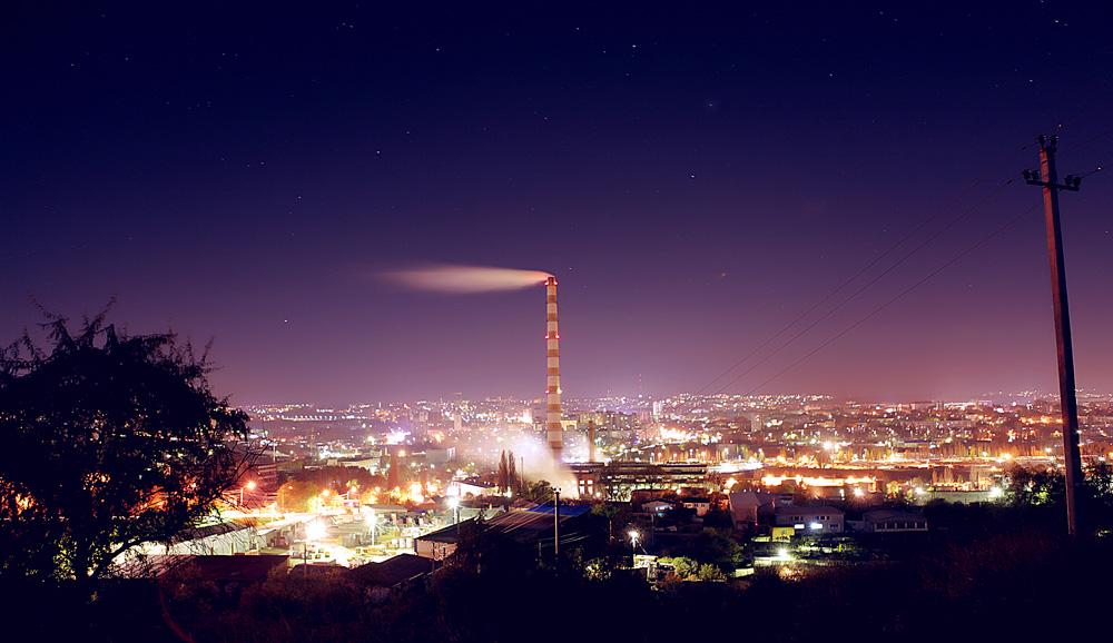 Файл:Chisinau night.jpg