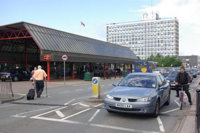 Crewe Station - geograph.org.uk - 497483
