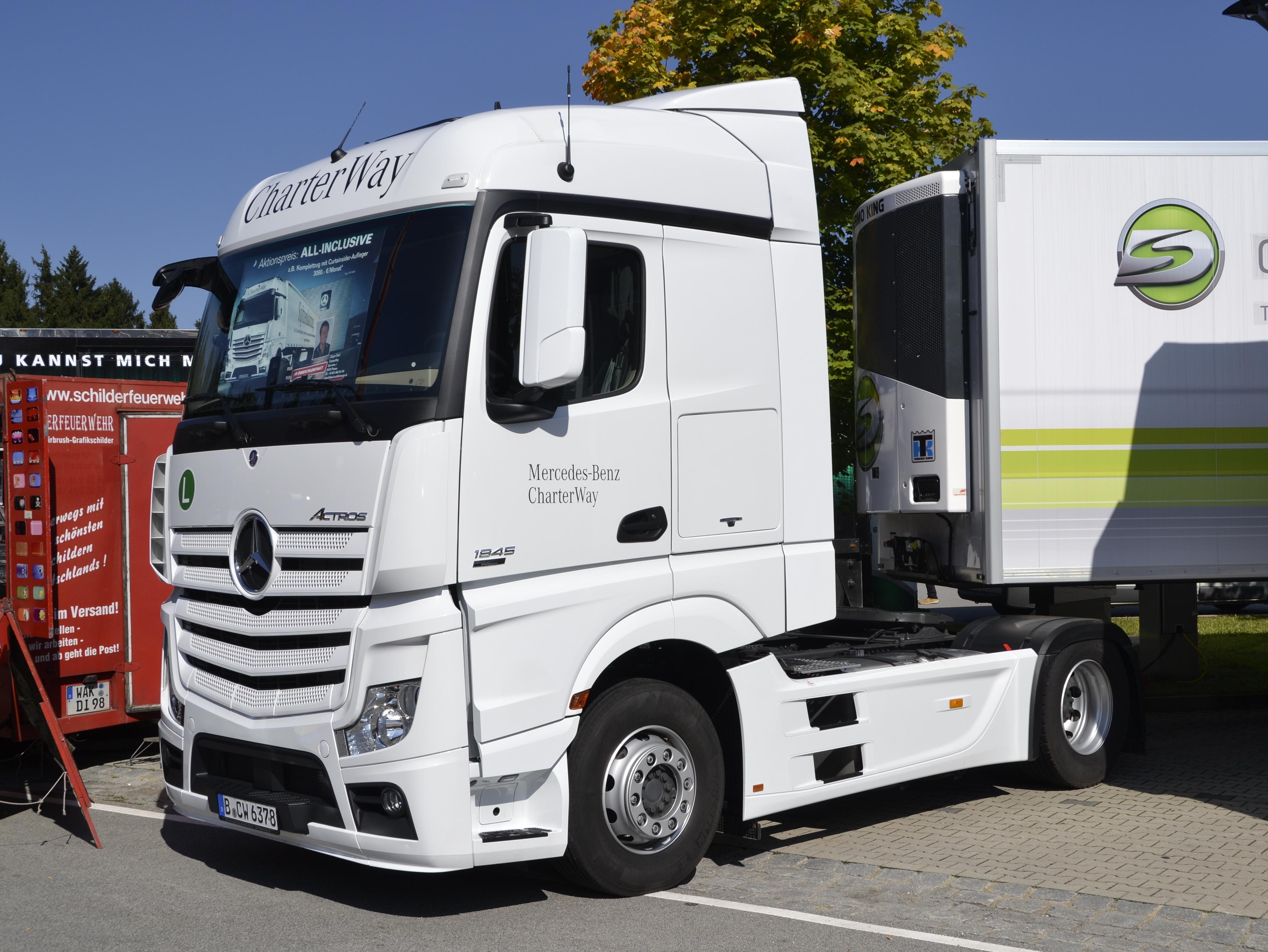 File:Europäisches Trucker-Treffen in Passau -37.JPG