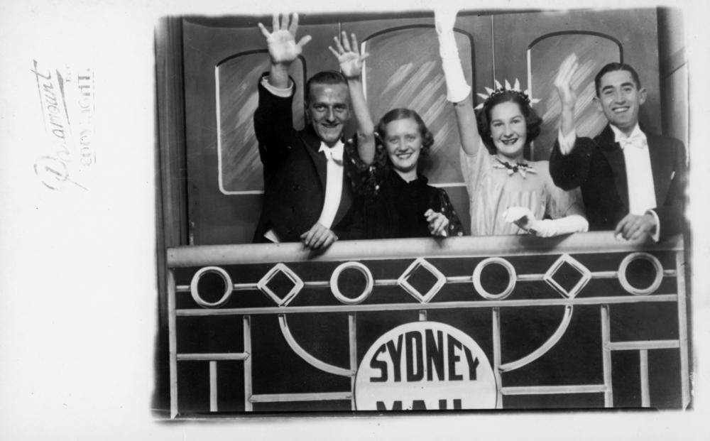 filefoursome waving goodbye from the sydney mail train