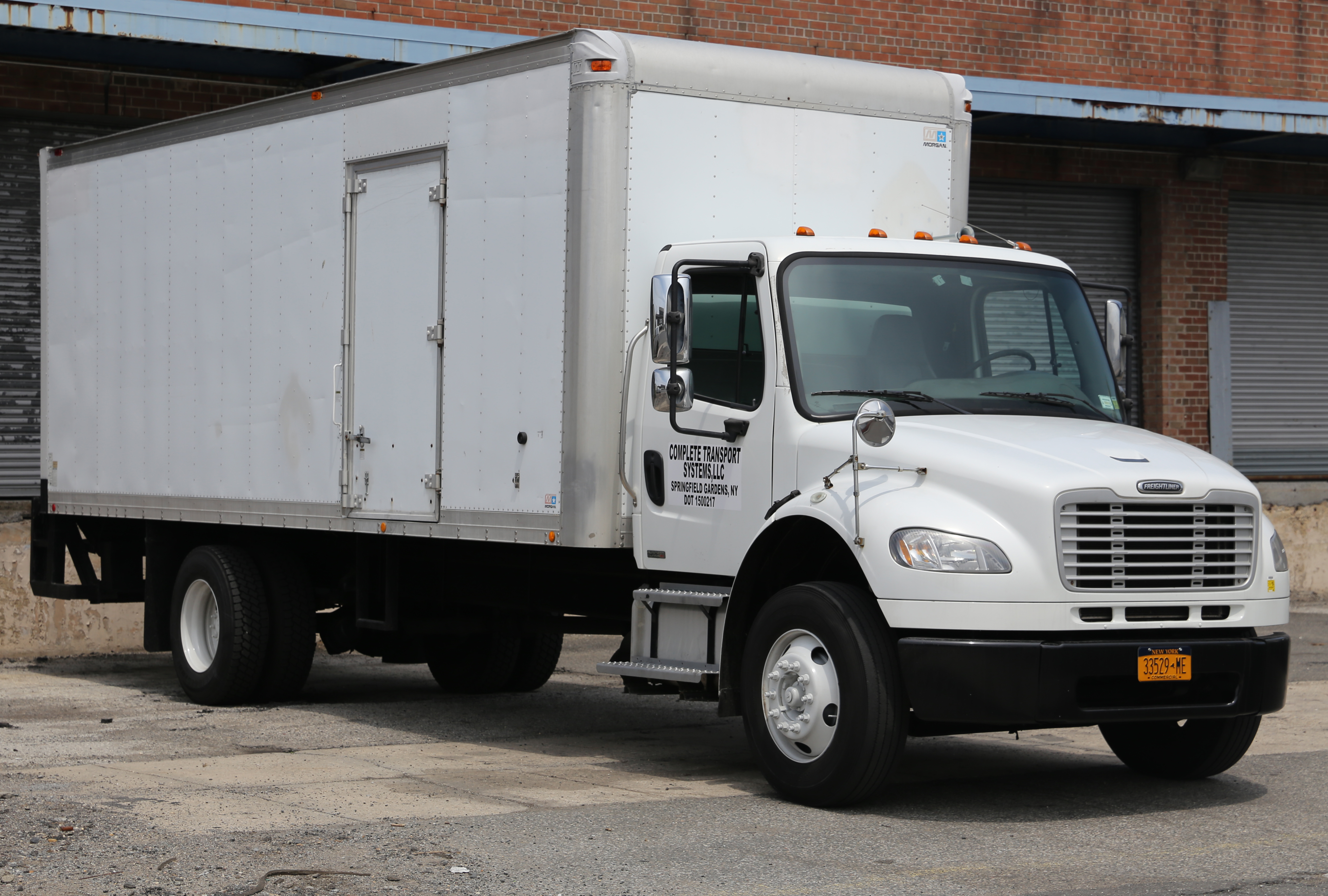Freightliner Business Class M Box Rigid