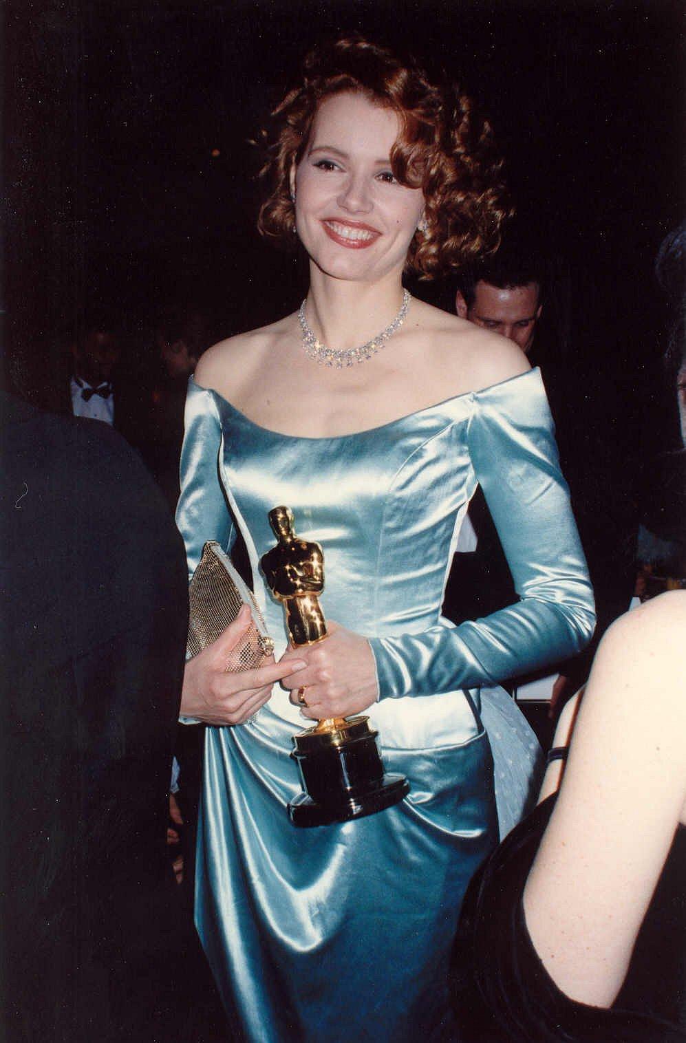 جایزه اسکار بهترین بازیگر نقش مکمل زن - ویکیپدیا، دانشنامهٔ آزاد