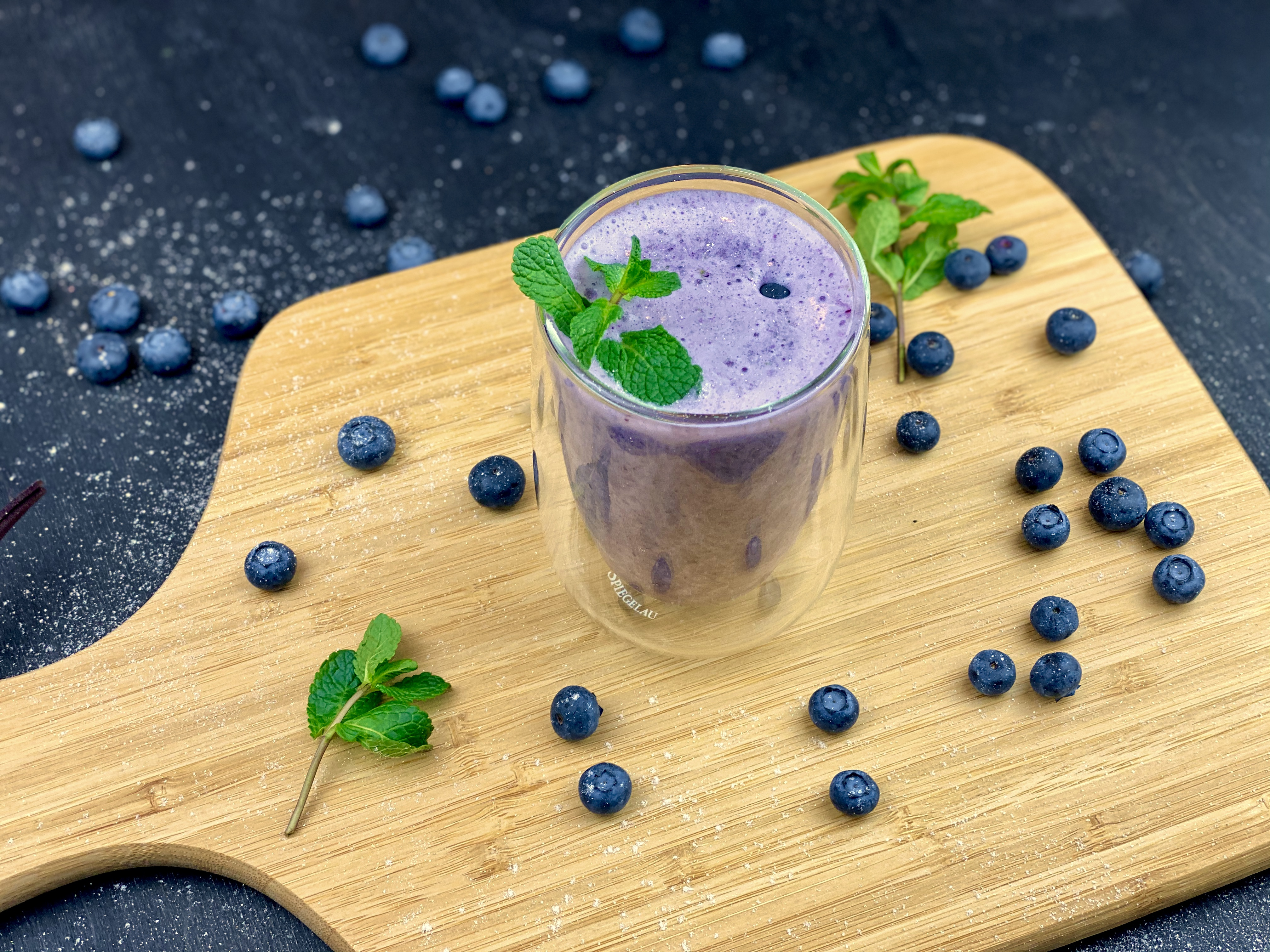File:Healthy Blueberry Smoothie.jpg - Wikimedia Commons