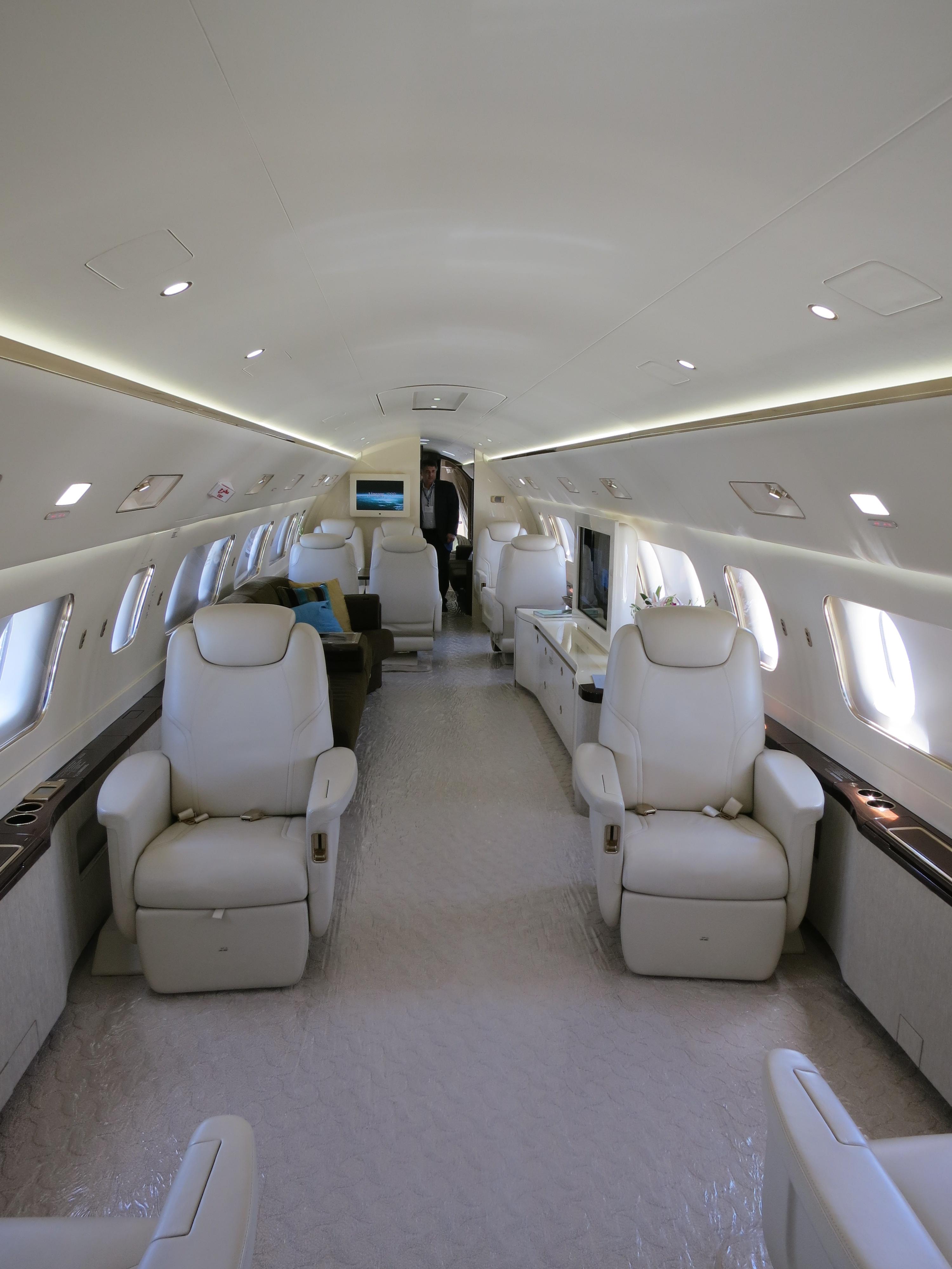 File embraer lineage 1000 interior forward cabin jpg wikimedia - File Embraer Lineage 1000 Interior Forward Cabin Jpg Wikimedia 28