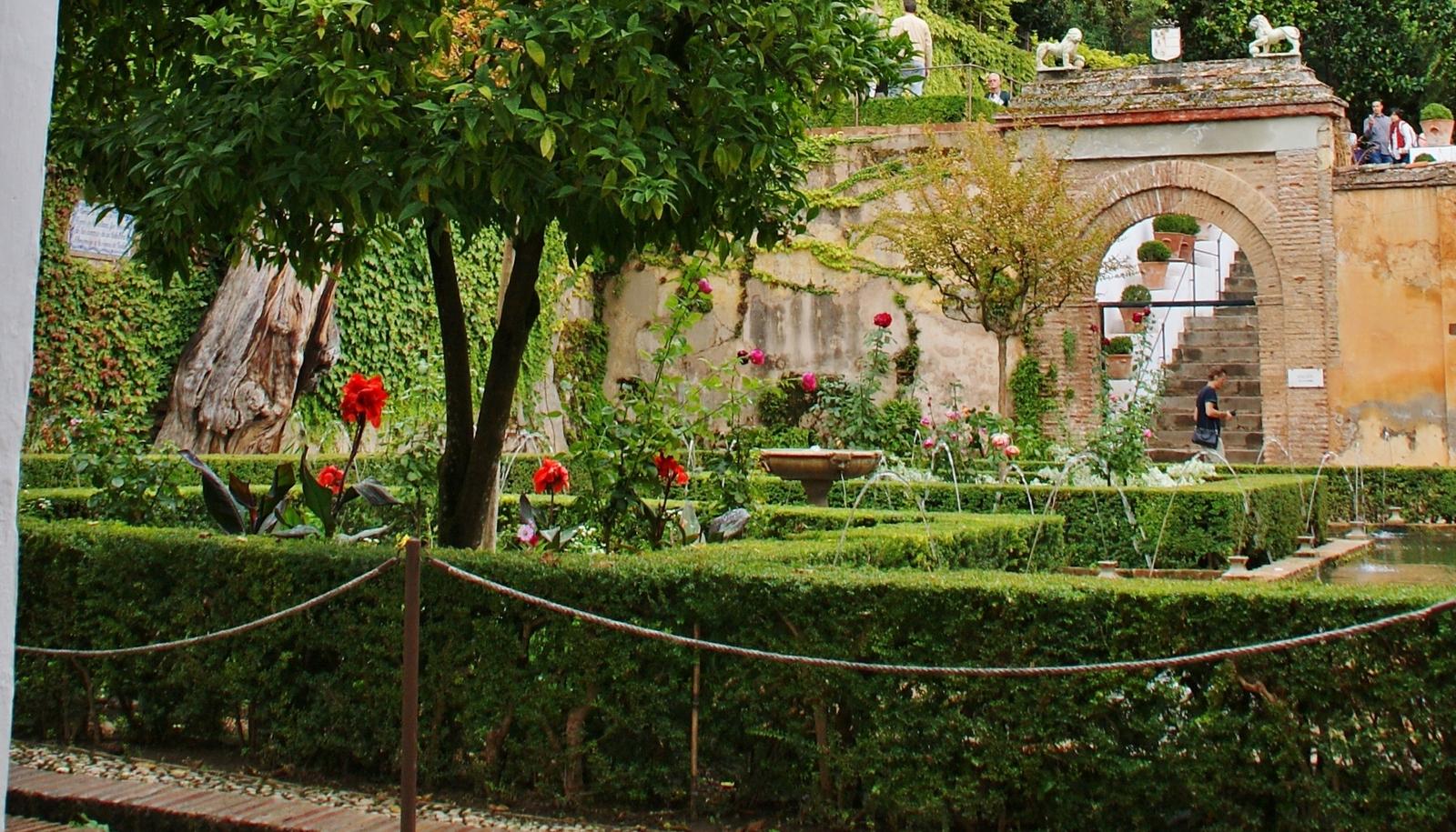File jardines del generalife granada 28 jpg wikimedia for Jardin de la reina granada