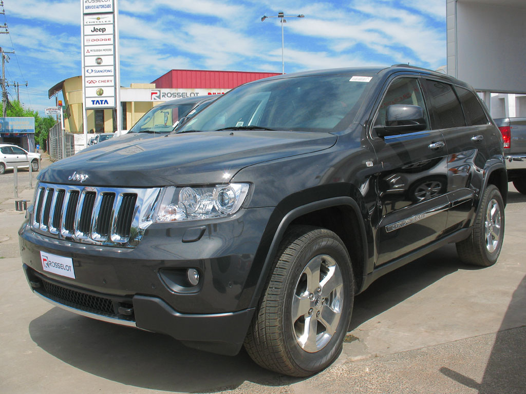 File:Jeep Grand Cherokee 5.7L Limited 2011