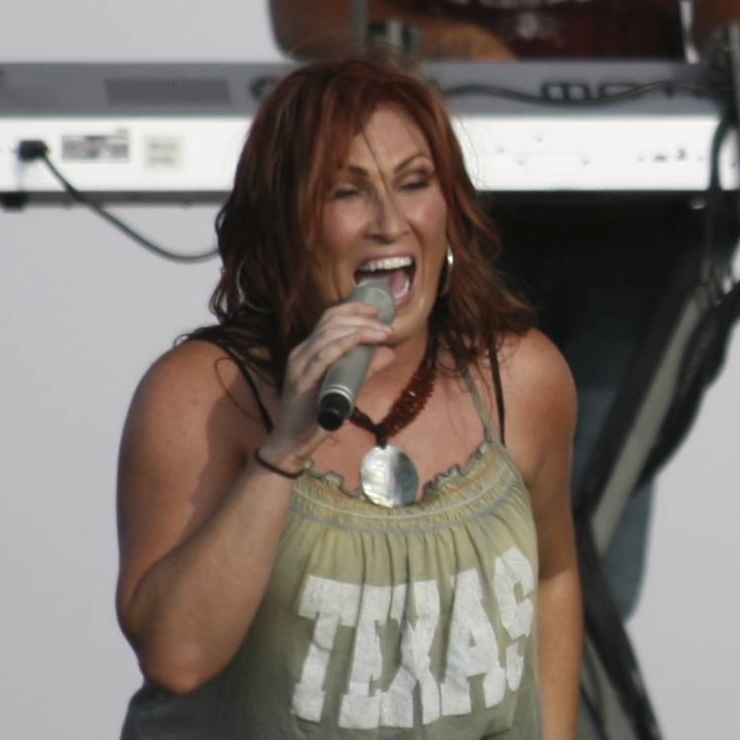 JoDee Messina