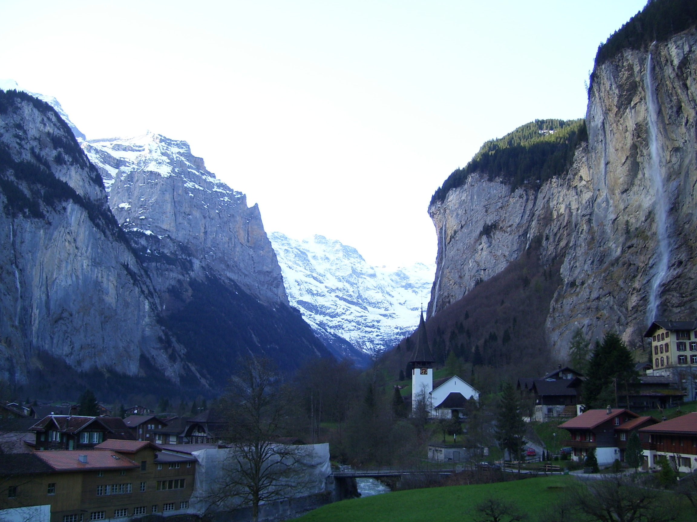 File:Jungfrau, Amazing waterfall Swiss Alps.jpg - Wikimedia Commons